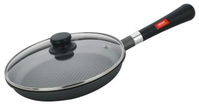 Сковорода Calve с крышкой, с антипригарным покрытием, со съемной ручкой. Диаметр 24 смCL-1171Сковорода Calve выполнена из высококачественного литого алюминия с антипригарным покрытием Excilon. Оно позволяет готовить с минимальным добавлением масла. Съемная пластиковая ручка удобна в использовании и позволяет компактно хранить сковороду. Жаропрочная стеклянная крышка плотно прилегает к краям посуды, имеет отверстие для выхода пара и металлический обод.Подходит для газовых, электрических, стеклокерамических и галогенных плит. Можно мыть в посудомоечной машине.Диаметр по верхнему краю: 24 см.Толщина стенки: 2,5 мм.Высота стенки: 4 см.