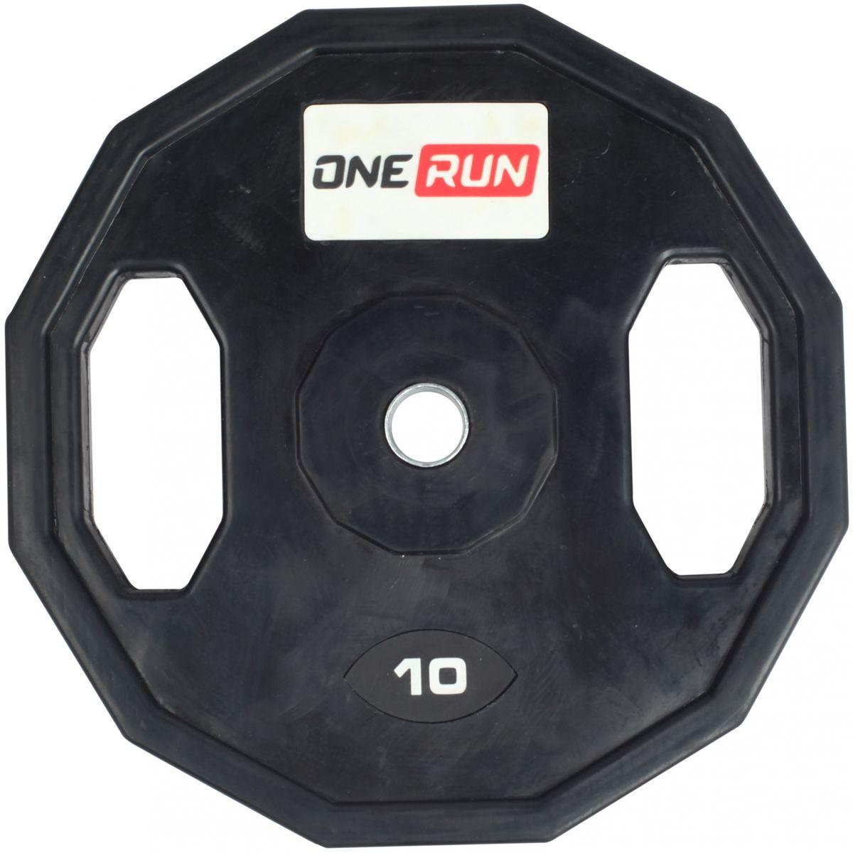 Диск обрезиненный OneRun 10 кг с хватами, диаметр 26 мм, черный, 471-8358471-8358Диск обрезиненный OneRun предназначен для занятий со штангой, так же его можно использовать как отельный снаряд благодаря двум хватам. Данные хваты так же обеспечивают удобство установки на гриф и переноску дисков. Грани по краям диска не дают диску скатываться при тренировках со штангой. Металлическая посадочная втулка увеличивает износостойкость диска и продлевая срок службы. Обрезиненная поверхность диска защищает пол от повреждений, а также снижает уровень шума при занятиях. Диаметр диска (внешний): 37 см. Толщина диска: 4 см. Посадочный диаметр диска: 26 мм.