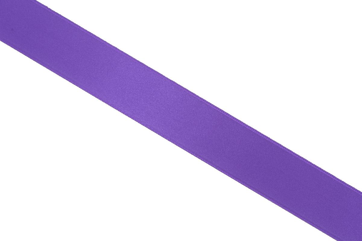 Лента атласная Prym, цвет: фиолетовый, ширина 25 мм, длина 25 м695804_60Атласная лента Prym изготовлена из 100% полиэстера. Область применения атласной ленты весьма широка. Изделие предназначено для оформления цветочных букетов, подарочных коробок, пакетов. Кроме того, она с успехом применяется для художественного оформления витрин, праздничного оформления помещений, изготовления искусственных цветов. Ее также можно использовать для творчества в различных техниках, таких как скрапбукинг, оформление аппликаций, для украшения фотоальбомов, подарков, конвертов, фоторамок, открыток и многого другого.Ширина ленты: 25 мм.Длина ленты: 25 м.
