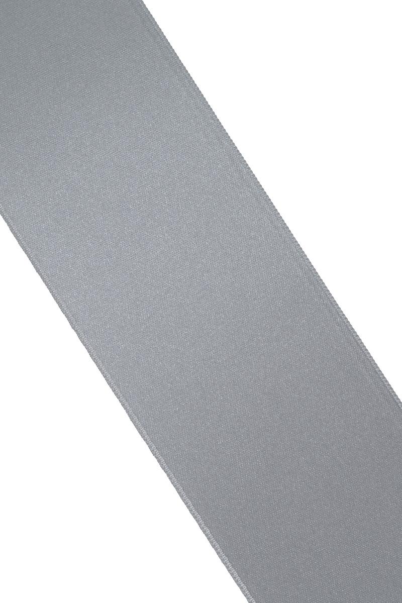 Лента атласная Prym, цвет: серый, ширина 50 мм, длина 25 м695807_2Атласная лента Prym изготовлена из 100% полиэстера. Область применения атласной ленты весьма широка. Изделие предназначено для оформления цветочных букетов, подарочных коробок, пакетов. Кроме того, она с успехом применяется для художественного оформления витрин, праздничного оформления помещений, изготовления искусственных цветов. Ее также можно использовать для творчества в различных техниках, таких как скрапбукинг, оформление аппликаций, для украшения фотоальбомов, подарков, конвертов, фоторамок, открыток и многого другого.Ширина ленты: 50 мм.Длина ленты: 25 м.