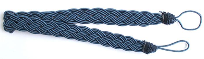 Подхват для штор Goodliving Коса, цвет: синий (22), длина 62 см, 2 шт. 77117417711741_22 синийПодхват для штор Goodliving Коса представляет собой плотный узор, плетеный в виде косы. Изделие оснащено петлями для фиксации штор, гардин и портьер. Подхват - это основной вид фурнитуры в декоре штор, сочетающий в себе не только декоративную функцию, но и практическую - регулировать поток света. Такой аксессуар способен украсить любую комнату.Длина подхвата (с учетом петель): 62 см. Ширина подхвата: 2,5 см.