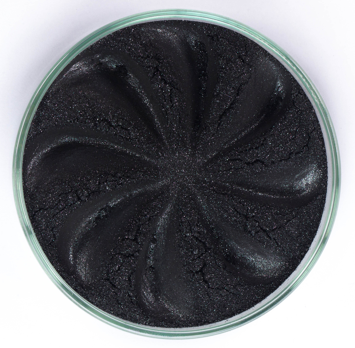 Era Minerals Минеральные Тени для век Jewel тон J35 (сияющий черный), 4 млEYJ35Тени для век Jewel обеспечивают комплексное покрытие, своим сиянием напоминающее как глубину, так и лучезарный блеск драгоценного камня. Текстура теней содержит в себе цвет-основу с содержанием крошечных мерцающих частиц, превосходно сочетающихся с основным цветом.Сильные и яркие минеральные пигментыМожно наносить как влажным, так и сухим способомБез отдушек и содержания масел, для всех типов кожиДерматологически протестировано, не аллергенноНе тестировано на животныхВес нетто 1г (стандартный размер)