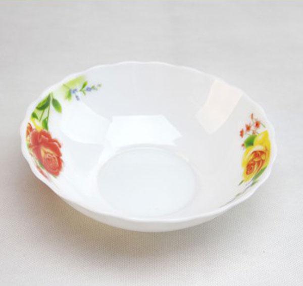 Тарелка суповая Chinbull Алессио, диаметр 18 смHW-70/6665Тарелка суповая Chinbull Алессио, выполненная из высококачественной стеклокерамики, декорирована изображением цветов. Изящный дизайн придется по вкусу и ценителям классики, и тем, кто предпочитает утонченность. Тарелка Chinbull Алессио идеально подойдет для сервировки стола и станет отличным подарком к любому празднику.Диаметр (по верхнему краю): 18 см.