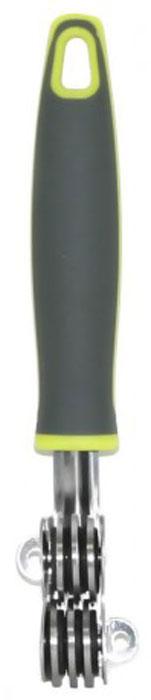 Ножеточка МФК-профит Comfort, длина 19 смMFK01036Ножеточка МФК-профит Comfort выполнена из высококачественной нержавеющей стали. Диски ножеточки специально направлены и заточены, что обеспечивает быструю и качественную заточку любых лезвий. Удобная ручка из полипропилена с резиновыми вставками не позволит выскользнуть изделию из вашей руки. Также она имеет петлю, с помощью которой ножеточку можно подвесить в удобном для вас месте.Длина ножеточки: 19 см.Размер рабочей поверхности: 4,5 см х 1,8 см х 3 см.