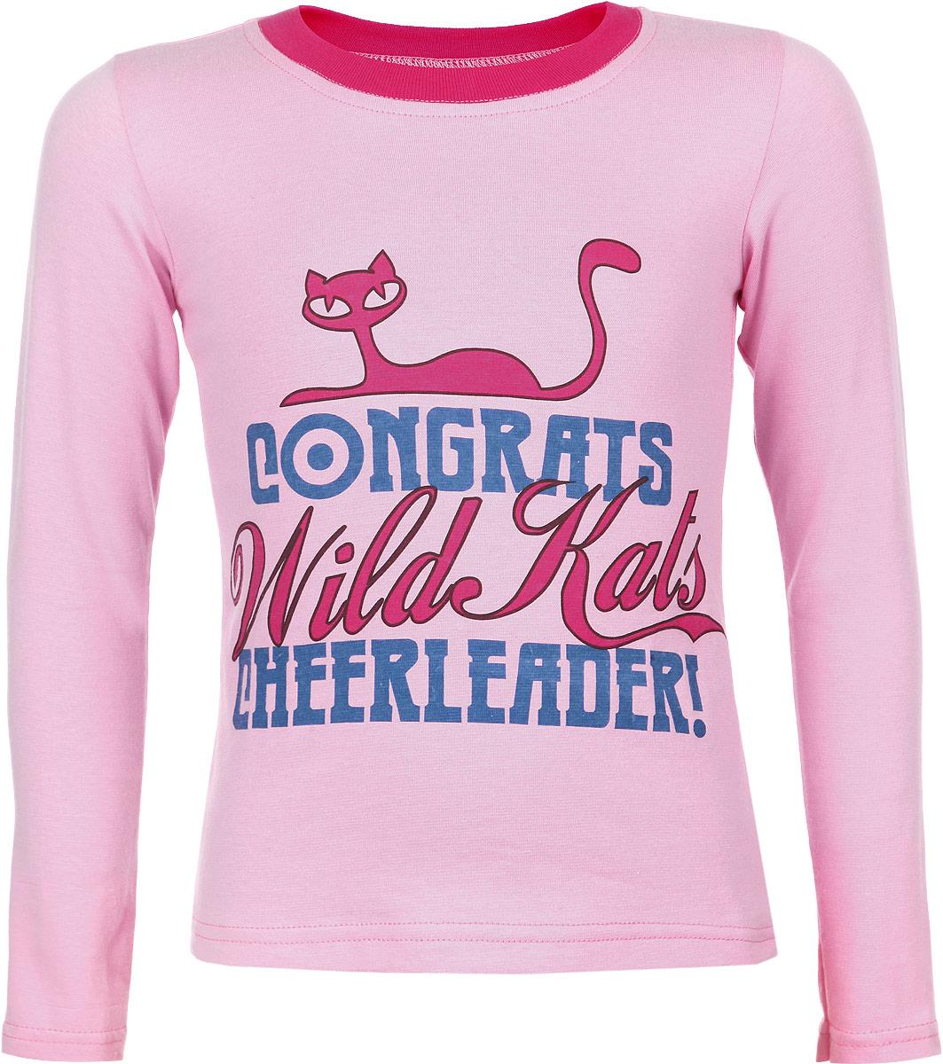 Футболка с длинным рукавом для девочки КотМарКот Wild Kats, цвет: розовый. 15709. Размер 98, 3 года15709Стильная футболка с длинным рукавом для девочки КотМарКот Wild Kats идеально подойдет вашему ребенку. Изготовленная из натурального хлопка, она необычайно мягкая и приятная на ощупь, не сковывает движения и позволяет коже дышать, не раздражает даже самую нежную и чувствительную кожу ребенка, обеспечивая ему наибольший комфорт. Футболка с длинными рукавами и круглым вырезом горловины спереди оформлена принтом в виде надписей на английском языке, а также изображением кошки. Вырез горловины дополнен трикотажной резинкой. Современный дизайн и расцветка делают эту футболку модным, и стильным предметом детского гардероба. В ней ваша маленькая принцесса всегда будет в центре внимания!