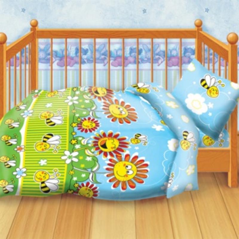 Кошки-мышки Комплект детского постельного белья Пчелки228528Комплект детского постельного белья Кошки-мышки Пчелки, состоящий из наволочки, простыни и пододеяльника, выполнен из натурального 100% хлопка. Пододеяльник оформлен рисунком в виде забавных подсолнухов и пчелок. Хлопок - это натуральный материал, который не раздражает даже самую нежную и чувствительную кожу малыша, не вызывает аллергии и хорошо вентилируется. Такой комплект идеально подойдет для кроватки вашего малыша. На нем ребенок будет спать здоровым и крепким сном.