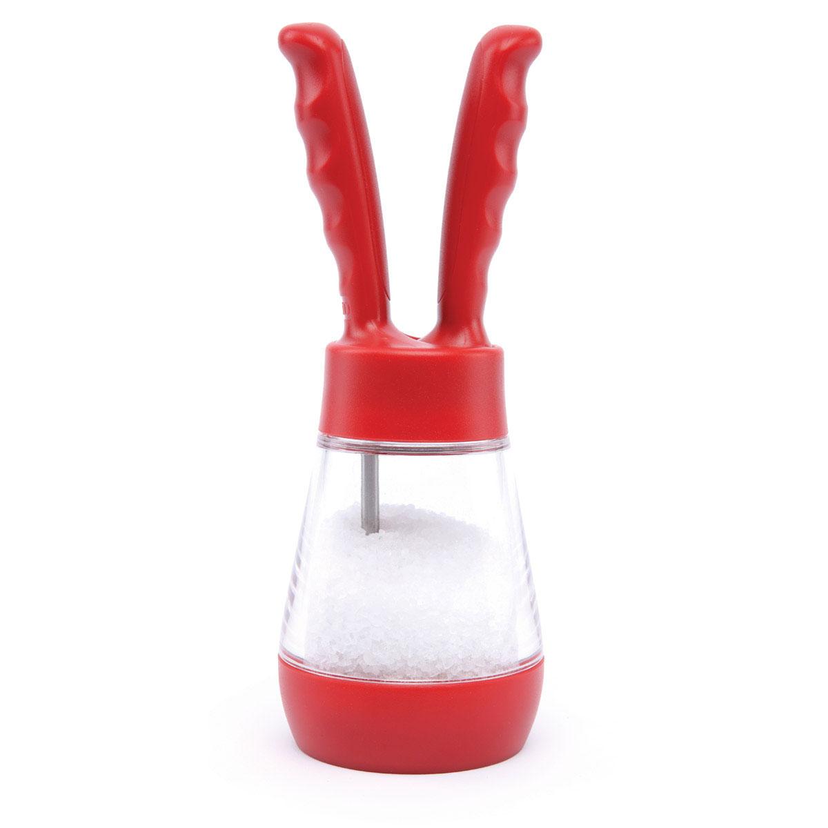 Мельница для соли David Mason Design с ручками, цвет: красный, высота 18,5 смDM7002102020SMМельница для соли David Mason Designизготовлена из прозрачного пищевого пластика, чтопозволяет видеть количество содержимого вемкости. Механизм помола выполнен изнержавеющей стали.Оригинальная мельница модного дизайна с ручкамидля помолки будетотлично смотреться на вашей кухне.Размер мельницы: 6 см х 6 см х 18,5 см.