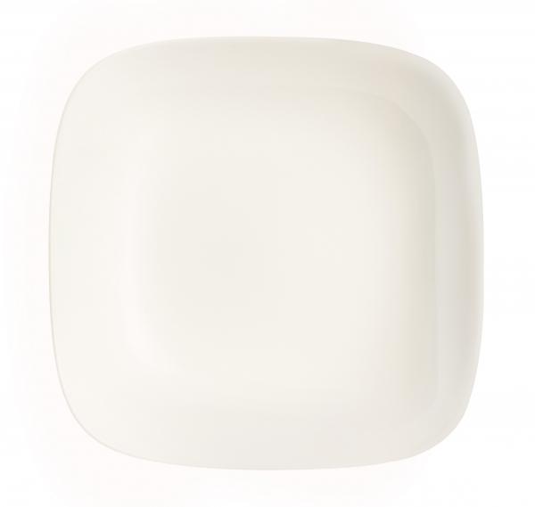 Тарелка глубокая Luminarc Yalta, 26 х 26 смJ2422Глубокая тарелка Yalta надежной марки Luminarc - интересное решение для кухонь и столовых в классическом и современном дизайне. Глянцевая тарелка белоснежного цвета украсит стол и добавит оригинальности сервировке. Тарелка изготовлена из ударопрочного стекла, которое не впитывает запахи и обладает антибактериальными свойствами. Ее можно мыть в посудомоечной машине и использовать в микроволновой печи.