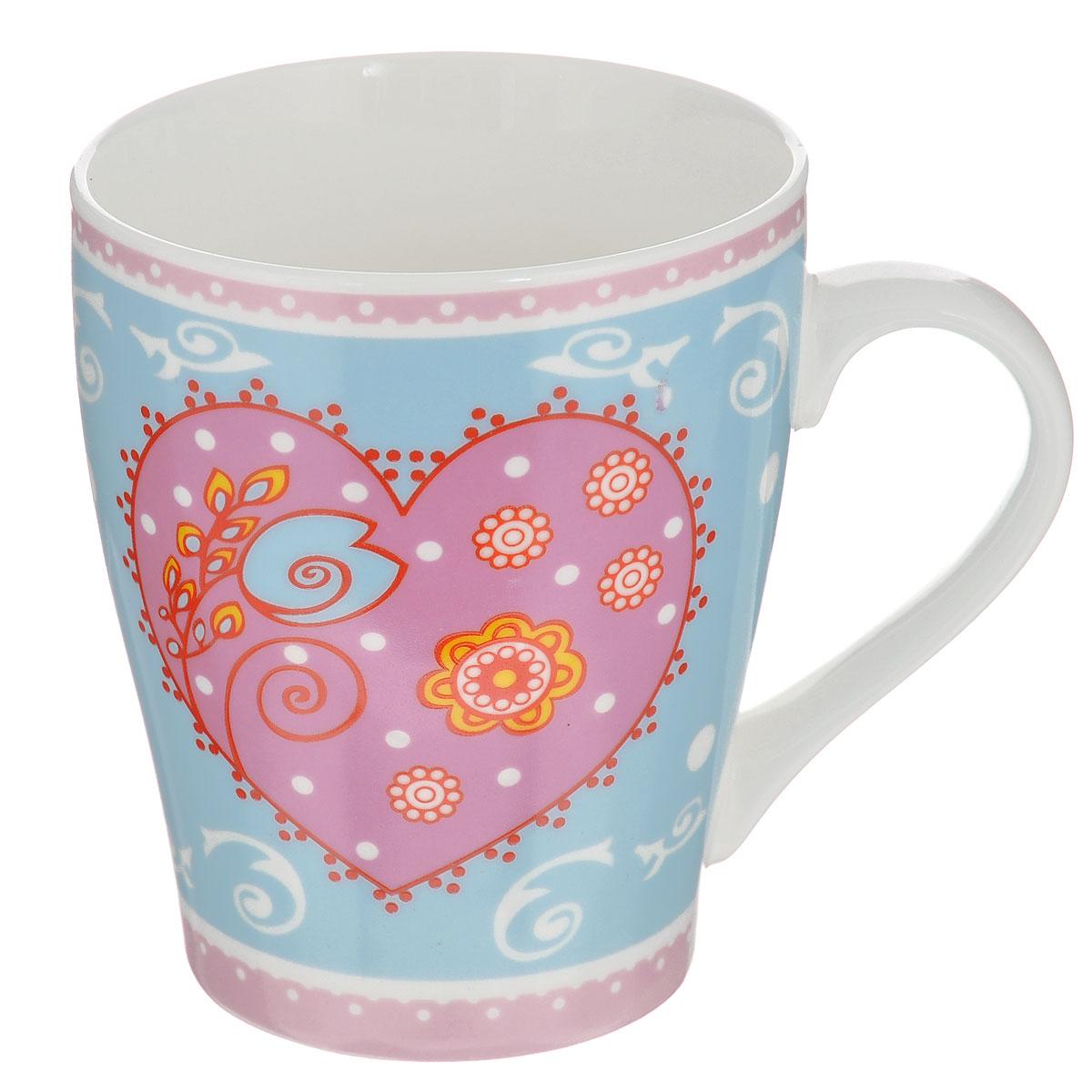 Кружка Loraine, 350 мл22112Кружка Loraine выполнена из высококачественной керамики и украшена изображением цветов, узоров и сердца. Изделие оснащено эргономичной ручкой. Кружка Loraine сочетает в себе оригинальный дизайн и функциональность. Она согреет вас долгими холодными вечерами.Диаметр (по верхнему краю): 8,5 см.Высота кружки: 10 см. Объем: 350 мл.