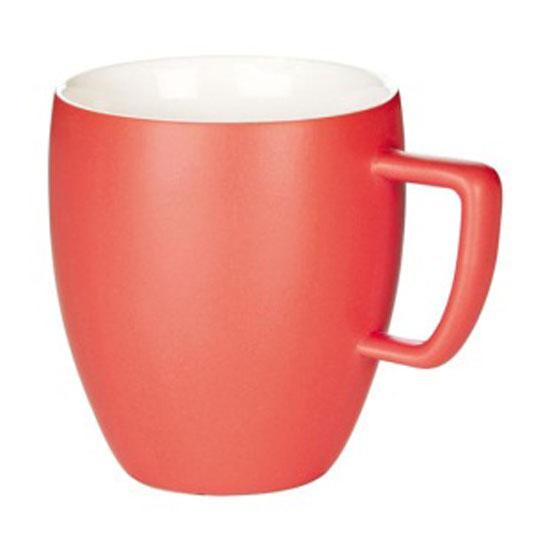 Кружка Tescoma Crema Tone, цвет: красный, 300 мл387146_красныйКружка Tescoma Crema Tone, изготовленная из высококачественного фарфора, прекрасно дополнит интерьер вашей кухни. Изящный дизайн кружки придется по вкусу и ценителям классики, и тем, кто предпочитает утонченность и изысканность. Кружка Tescoma Crema Tone станет хорошим подарком к любому празднику. Диаметр (по верхнему краю): 8 см.Высота: 10 см.