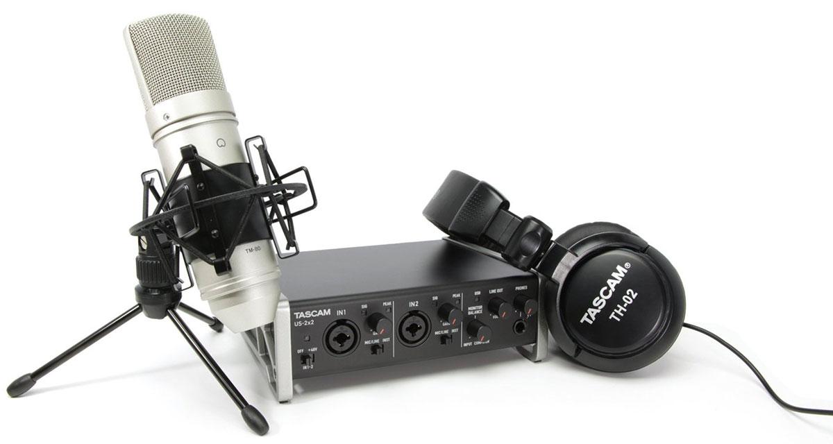 Tascam TrackPack 2x2, Black набор для звукозаписиTrackPack 2x2Набор Tascam TrackPack 2x2 состоит из звуковой карты US-2х2, высококачественных студийных наушников TH-02 и вокального конденсаторного микрофона TM-80. В комплекте вы также найдете программное обеспечение Ableton Live 9 Lite и Sonar X3 LE.Модель Tascam TrackPack 2x2 имеет 2 линейных / инструментальных входа на комбинированных разъёмах XLR + TRS и дискретные микрофонные предусилители Ultra-HDDA с низким уровнем искажений и шумов, а также 5-контактный разъём MIDI, гнездо для наушников с регулятором уровня сигнала.Качество записи и воспроизведения аудио достигает 24 бит / 96 кГц. Устройство обладает металлическим корпусом и возможностью питания от порта USB. Наушники Tascam TH-02 закрытого типа с мягким оголовьем и амбушюрами, которые нейтрализуют внешний шум. Микрофон TM-80 конденсаторного типа оснащен 18-миллиметровой алюминиевой диафрагмой.Набор Tascam TrackPack 2x2 поддерживает операционные системы Windows и Mac OS, а также iOS-устройства при помощи адаптера Camera Connection Kit.Наушники TH-02:ДинамическиеДиаметр динамиков: 50 ммЧастота: 18 Гц - 22000 ГцЧувствительность: 98 дБСопротивление: 32 ОмМаксимальная входная мощность: 600 мВтДлина кабеля: 3 мМикрофон TM-80:Диаграмма направленности: кардиодаЧастота:20 - 20000 ГцСопротивление на выходе: 200 ОмЧувствительность: 38 дБМаксимальное звуковое давление: 136 дБСоотношение сигнал/шум: 77 дБUS-2x2:Воспроизведение:Количество каналов воспроизведения: 2Разрядность ЦАП: 24 битМаксимальная частота ЦАП: 96 кГцОтношение сигнал/шум: 101 дБTHD + шум: 0.1 %Встроенный усилитель для наушниковЗапись:Количество каналов аудиозаписи: 2Разрядность АЦП: 24 битМаксимальная частота АЦП: 96 кГцОтношение сигнал/шум: 101 дБTHD + шум: 0.1 %
