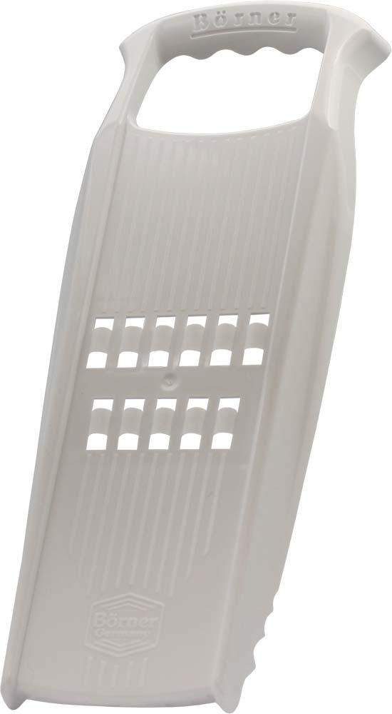 Рести-терка Borner Prima, цвет: белый3510555Рести-терка Borner Prima изготовлена из высококачественного пищевого пластика. Терка нарезает тонкую плоскую стружку-лапшу, именно такую, которая нужна для приготовления картофельных драников. Это блюдо также называется Рести по-швейцарски. Кроме того, очень важно, что у рести-терки нет металлических лезвий, и вареные овощи не прилипают к ней. Именно поэтому она делает великолепную нарезку для селедки под шубой и сырную стружку. Овощи нарезаются настолько тонко, что мгновенно пропитываются майонезом или запекаются.