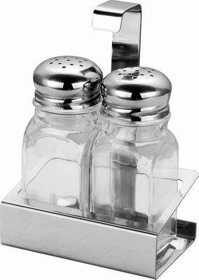 """Набор """"Calve"""" состоит из солонки, перечницы и подставки. Емкости выполнены из стекла и снабжены металлическими крышками. Для хранения емкостей  предусмотрена оригинальная подставка из нержавеющей стали.  Наслаждайтесь приготовлением пищи с набором для специй """"Calve"""". Объем емкостей: 75 мл."""