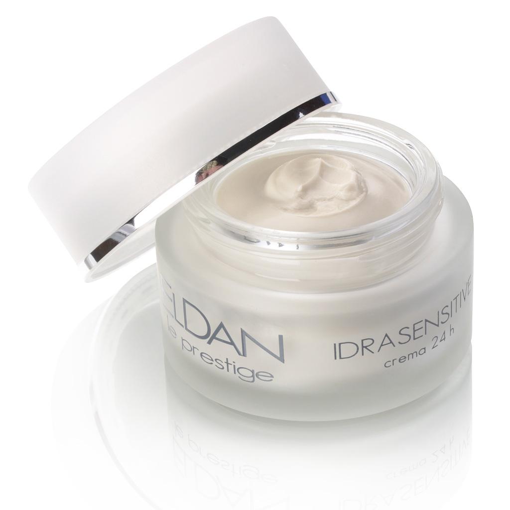 ELDAN cosmetics Увлажняющий крем чувствительной кожи лица 24 часа Le Prestige, 50 млELD-21Разработан для чувствительной или склонной к покраснениям кожи. Крем обладает успокаивающим, противовоспалительным и антиоксидантным действием. Интенсивно увлажняет, укрепляет стенки сосудов, делая их более эластичными, предупреждает появление купероза. Стимулирует регенерацию, восстанавливает гидролипидный барьер кожи, укрепляет ее защитные функции.