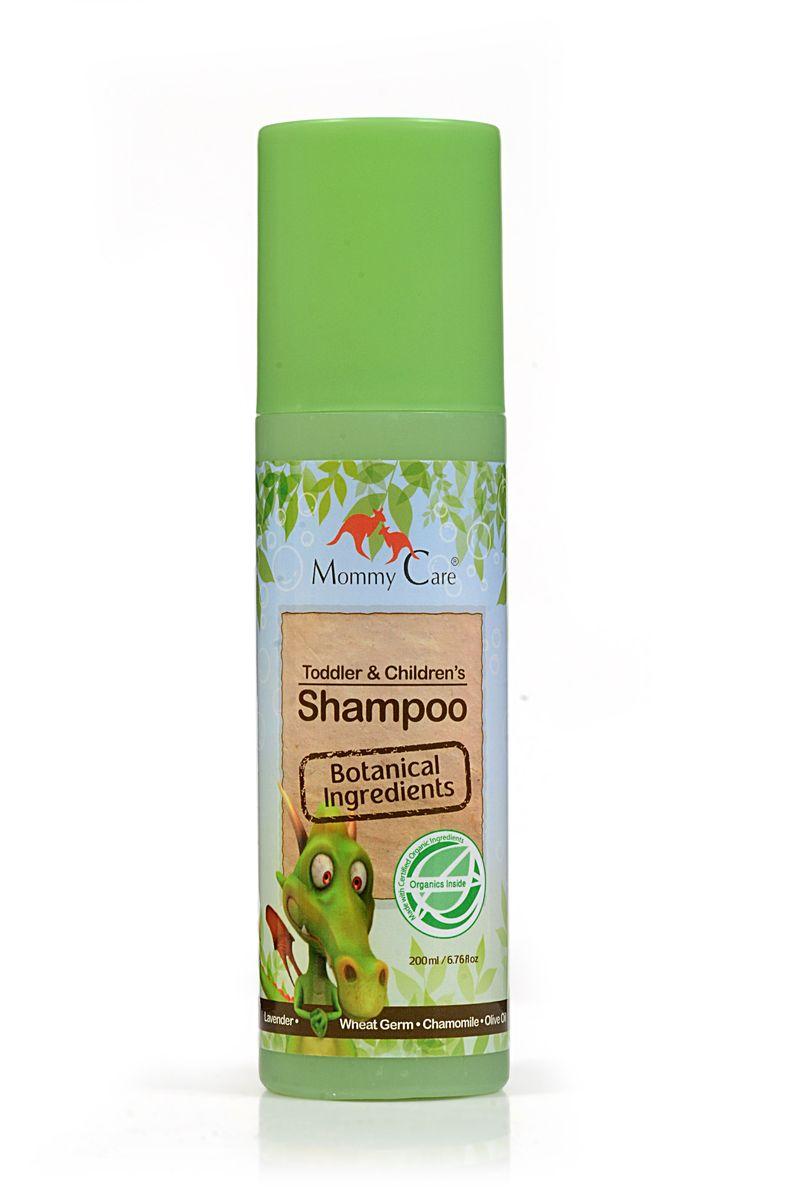 Mommy Care Натуральный шампунь 200 мл2263Шампунь для ежедневного применения бережно и нежно очищает детские волосы и кожу головы. Масла кокоса и розмарина укрепляют и придают блеск волосам, а масло ши делает их более эластичными и питают корни волос. Алоэ и оливковое масло стимулируют рост волос и предотвращают сухость кожи головы. Не содержит химических компонентов, парабенов, фталатов и SLS.