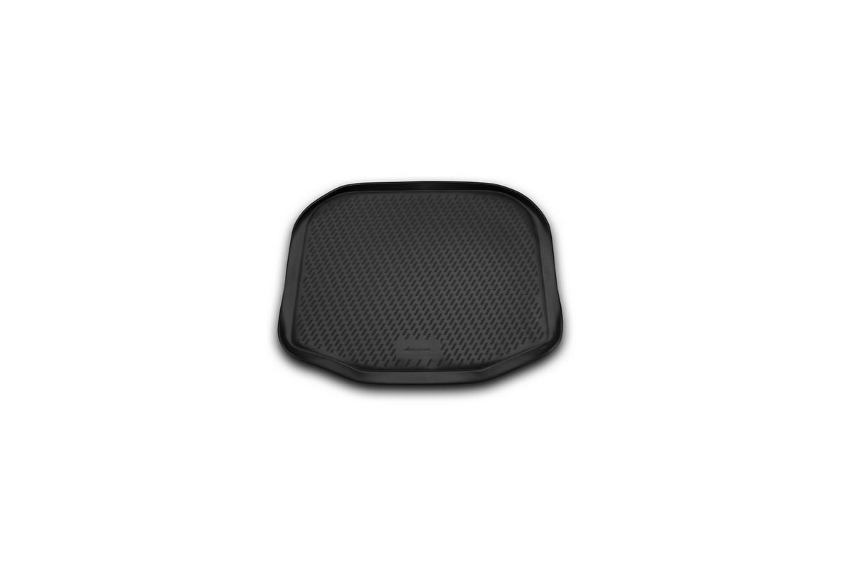 Коврик автомобильный Novline-Autofamily для Ford Explorer внедорожник 2011-2014, 2014-, в багажникCARFRD00008Автомобильный коврик Novline-Autofamily, изготовленный из полиуретана, позволит вам без особых усилий содержать в чистоте багажный отсек вашего авто и при этом перевозить в нем абсолютно любые грузы. Этот модельный коврик идеально подойдет по размерам багажнику вашего автомобиля. Такой автомобильный коврик гарантированно защитит багажник от грязи, мусора и пыли, которые постоянно скапливаются в этом отсеке. А кроме того, поддон не пропускает влагу. Все это надолго убережет важную часть кузова от износа. Коврик в багажнике сильно упростит для вас уборку. Согласитесь, гораздо проще достать и почистить один коврик, нежели весь багажный отсек. Тем более, что поддон достаточно просто вынимается и вставляется обратно. Мыть коврик для багажника из полиуретана можно любыми чистящими средствами или просто водой. При этом много времени у вас уборка не отнимет, ведь полиуретан устойчив к загрязнениям.Если вам приходится перевозить в багажнике тяжелые грузы, за сохранность коврика можете не беспокоиться. Он сделан из прочного материала, который не деформируется при механических нагрузках и устойчив даже к экстремальным температурам. А кроме того, коврик для багажника надежно фиксируется и не сдвигается во время поездки, что является дополнительной гарантией сохранности вашего багажа.Коврик имеет форму и размеры, соответствующие модели данного автомобиля.