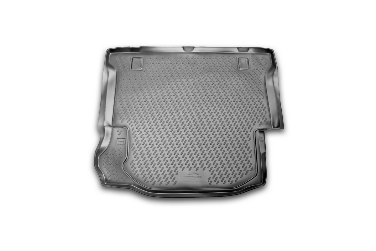 Коврик в багажник автомобиля Novline-Autofamily для Jeep Wrangler 4 doors, 2007 -CARJEP00008Автомобильный коврик в багажник позволит вам без особых усилий содержать в чистоте багажный отсек вашего авто и при этом перевозить в нем абсолютно любые грузы. Этот модельный коврик идеально подойдет по размерам багажнику вашего авто. Такой автомобильный коврик гарантированно защитит багажник вашего автомобиля от грязи, мусора и пыли, которые постоянно скапливаются в этом отсеке. А кроме того, поддон не пропускает влагу. Все это надолго убережет важную часть кузова от износа. Коврик в багажнике сильно упростит для вас уборку. Согласитесь, гораздо проще достать и почистить один коврик, нежели весь багажный отсек. Тем более, что поддон достаточно просто вынимается и вставляется обратно. Мыть коврик для багажника из полиуретана можно любыми чистящими средствами или просто водой. При этом много времени у вас уборка не отнимет, ведь полиуретан устойчив к загрязнениям.Если вам приходится перевозить в багажнике тяжелые грузы, за сохранность автоковрика можете не беспокоиться. Он сделан из прочного материала, который не деформируется при механических нагрузках и устойчив даже к экстремальным температурам. А кроме того, коврик для багажника надежно фиксируется и не сдвигается во время поездки - это дополнительная гарантия сохранности вашего багажа.