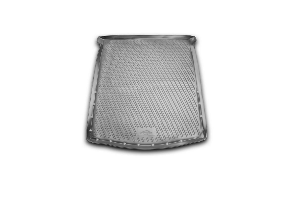 Коврик автомобильный Novline-Autofamily для Mazda 6 седан 2012-, в багажникCARMZD00042Автомобильный коврик Novline-Autofamily, изготовленный из полиуретана, позволит вам без особых усилий содержать в чистоте багажный отсек вашего авто и при этом перевозить в нем абсолютно любые грузы. Этот модельный коврик идеально подойдет по размерам багажнику вашего автомобиля. Такой автомобильный коврик гарантированно защитит багажник от грязи, мусора и пыли, которые постоянно скапливаются в этом отсеке. А кроме того, поддон не пропускает влагу. Все это надолго убережет важную часть кузова от износа. Коврик в багажнике сильно упростит для вас уборку. Согласитесь, гораздо проще достать и почистить один коврик, нежели весь багажный отсек. Тем более, что поддон достаточно просто вынимается и вставляется обратно. Мыть коврик для багажника из полиуретана можно любыми чистящими средствами или просто водой. При этом много времени у вас уборка не отнимет, ведь полиуретан устойчив к загрязнениям.Если вам приходится перевозить в багажнике тяжелые грузы, за сохранность коврика можете не беспокоиться. Он сделан из прочного материала, который не деформируется при механических нагрузках и устойчив даже к экстремальным температурам. А кроме того, коврик для багажника надежно фиксируется и не сдвигается во время поездки, что является дополнительной гарантией сохранности вашего багажа.Коврик имеет форму и размеры, соответствующие модели данного автомобиля.