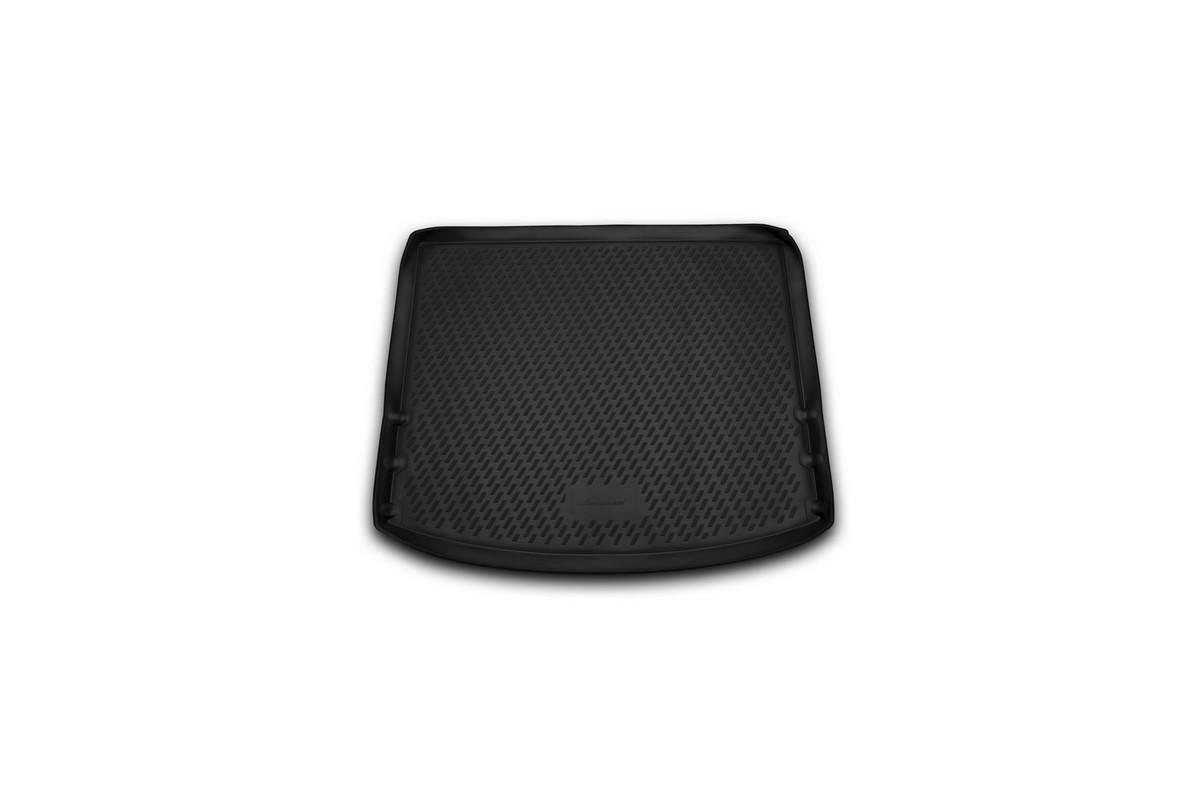 Коврик автомобильный Novline-Autofamily для Mazda 3 хэтчбек 2013-, в багажникCARMZD00048Автомобильный коврик Novline-Autofamily, изготовленный из полиуретана, позволит вам без особых усилий содержать в чистоте багажный отсек вашего авто и при этом перевозить в нем абсолютно любые грузы. Этот модельный коврик идеально подойдет по размерам багажнику вашего автомобиля. Такой автомобильный коврик гарантированно защитит багажник от грязи, мусора и пыли, которые постоянно скапливаются в этом отсеке. А кроме того, поддон не пропускает влагу. Все это надолго убережет важную часть кузова от износа. Коврик в багажнике сильно упростит для вас уборку. Согласитесь, гораздо проще достать и почистить один коврик, нежели весь багажный отсек. Тем более, что поддон достаточно просто вынимается и вставляется обратно. Мыть коврик для багажника из полиуретана можно любыми чистящими средствами или просто водой. При этом много времени у вас уборка не отнимет, ведь полиуретан устойчив к загрязнениям.Если вам приходится перевозить в багажнике тяжелые грузы, за сохранность коврика можете не беспокоиться. Он сделан из прочного материала, который не деформируется при механических нагрузках и устойчив даже к экстремальным температурам. А кроме того, коврик для багажника надежно фиксируется и не сдвигается во время поездки, что является дополнительной гарантией сохранности вашего багажа.Коврик имеет форму и размеры, соответствующие модели данного автомобиля.