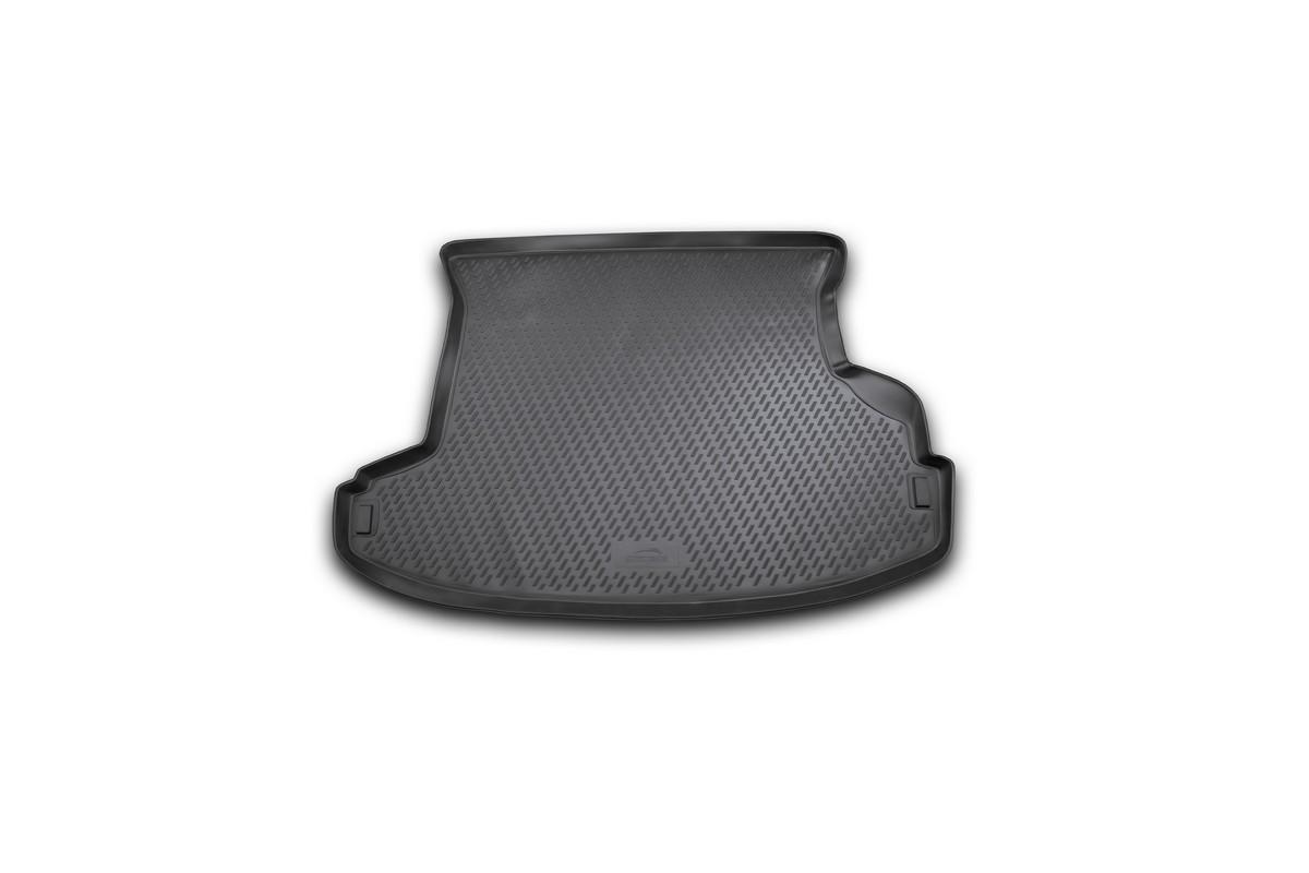 Коврик в багажник NISSAN X-Trail (Т30) 2001-2007, кросс. (полиуретан). CARNIS00032CARNIS00032Автомобильный коврик в багажник позволит вам без особых усилий содержать в чистоте багажный отсек вашего авто и при этом перевозить в нем абсолютно любые грузы. Этот модельный коврик идеально подойдет по размерам багажнику вашего авто. Такой автомобильный коврик гарантированно защитит багажник вашего автомобиля от грязи, мусора и пыли, которые постоянно скапливаются в этом отсеке. А кроме того, поддон не пропускает влагу. Все это надолго убережет важную часть кузова от износа. Коврик в багажнике сильно упростит для вас уборку. Согласитесь, гораздо проще достать и почистить один коврик, нежели весь багажный отсек. Тем более, что поддон достаточно просто вынимается и вставляется обратно. Мыть коврик для багажника из полиуретана можно любыми чистящими средствами или просто водой. При этом много времени у вас уборка не отнимет, ведь полиуретан устойчив к загрязнениям.Если вам приходится перевозить в багажнике тяжелые грузы, за сохранность автоковрика можете не беспокоиться. Он сделан из прочного материала, который не деформируется при механических нагрузках и устойчив даже к экстремальным температурам. А кроме того, коврик для багажника надежно фиксируется и не сдвигается во время поездки — это дополнительная гарантия сохранности вашего багажа.