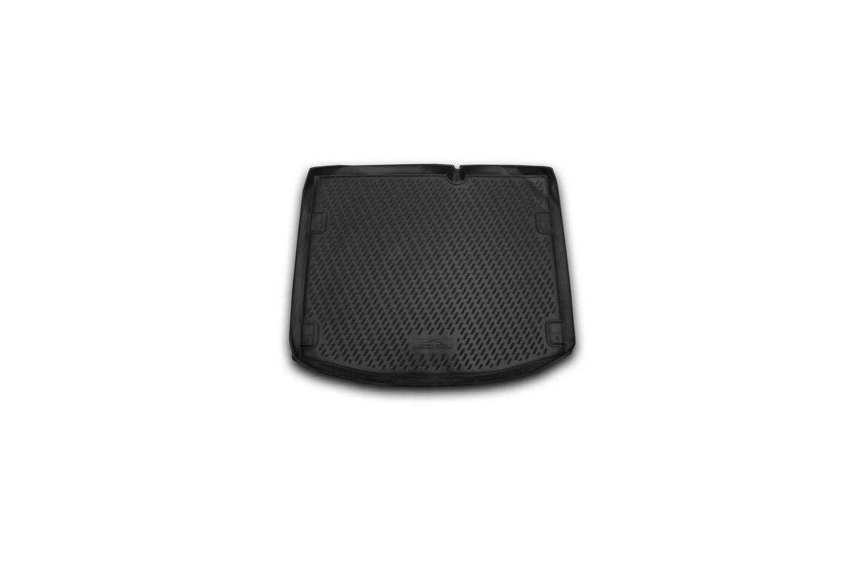 Коврик автомобильный Novline-Autofamily для Suzuki SX4 кроссовер 2013-, в багажникCARSZK10004Автомобильный коврик Novline-Autofamily, изготовленный из полиуретана, позволит вам без особых усилий содержать в чистоте багажный отсек вашего авто и при этом перевозить в нем абсолютно любые грузы. Этот модельный коврик идеально подойдет по размерам багажнику вашего автомобиля. Такой автомобильный коврик гарантированно защитит багажник от грязи, мусора и пыли, которые постоянно скапливаются в этом отсеке. А кроме того, поддон не пропускает влагу. Все это надолго убережет важную часть кузова от износа. Коврик в багажнике сильно упростит для вас уборку. Согласитесь, гораздо проще достать и почистить один коврик, нежели весь багажный отсек. Тем более, что поддон достаточно просто вынимается и вставляется обратно. Мыть коврик для багажника из полиуретана можно любыми чистящими средствами или просто водой. При этом много времени у вас уборка не отнимет, ведь полиуретан устойчив к загрязнениям.Если вам приходится перевозить в багажнике тяжелые грузы, за сохранность коврика можете не беспокоиться. Он сделан из прочного материала, который не деформируется при механических нагрузках и устойчив даже к экстремальным температурам. А кроме того, коврик для багажника надежно фиксируется и не сдвигается во время поездки, что является дополнительной гарантией сохранности вашего багажа.Коврик имеет форму и размеры, соответствующие модели данного автомобиля.