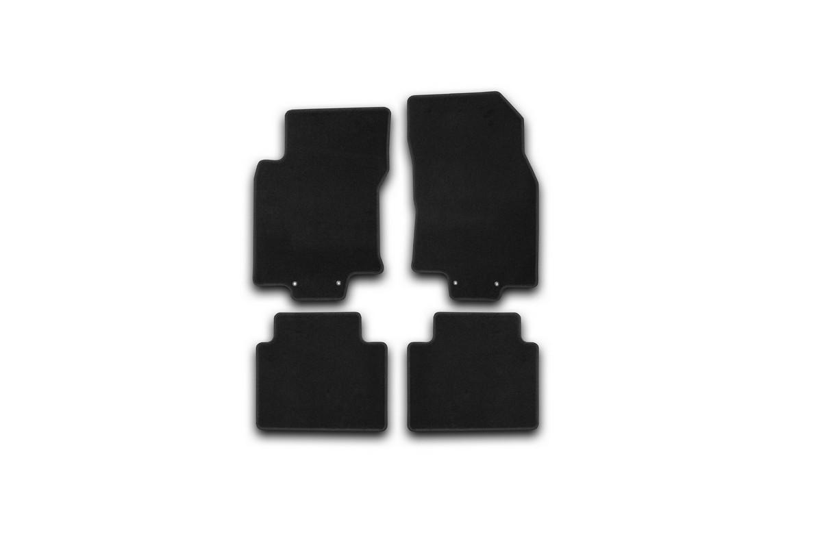 Набор автомобильных ковриков Klever для Nissan X-Trail 2014-, внедорожник, в салон, 4 шт. KVR01365401200kKVR01365401200kНабор автомобильных ковриков Klever, изготовленный из текстиля, состоит из 4 ковриков, которые учитывают все особенности каждой модели автомобиля и полностью повторяют контуры пола. Текстильные автомобильные коврики для салона произведены из высококачественного материала, который держит форму, прочный и не пачкает обувь. Коврики в салон не только улучшат внешний вид салона вашего автомобиля, но и надежно уберегут его от пыли, грязи и сырости, а значит, защитят кузов от коррозии. Текстильные коврики для автомобиля мягкие и приятные, а их основа из вспененного полиуретана не пропускает влагу. Ковры для автомобилей надежно крепятся на полу и не скользят, что очень важно во время движения. Чистятся коврики очень просто: как при помощи автомобильного пылесоса, так и различными моющими средствами. Набор подходит для Nissan X-Trail внедорожник с 2014 года выпуска.