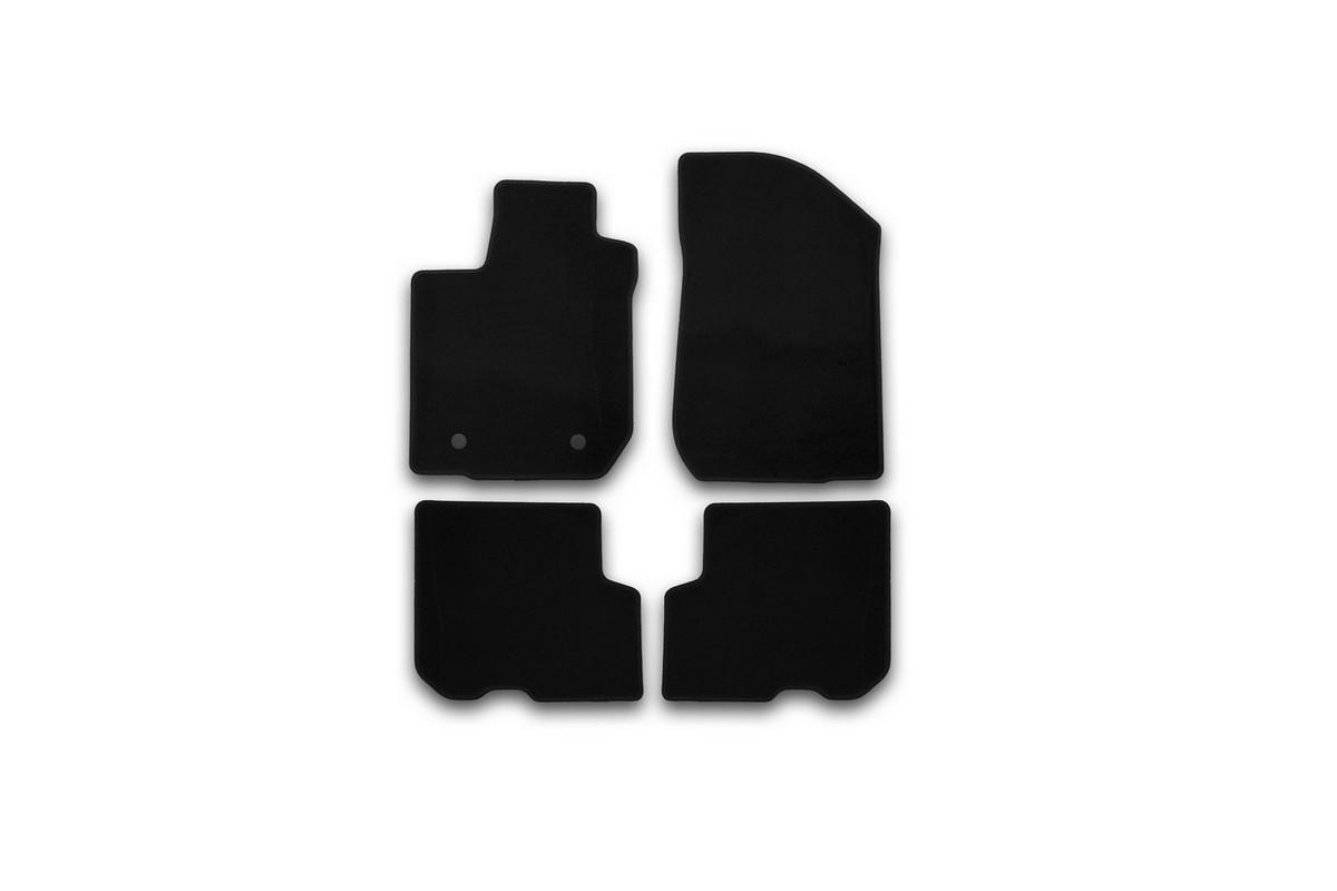 Набор автомобильных ковриков Klever для Renault Logan 2014-, седан, в салон, 4 штKVR01413101200kНабор автомобильных ковриков Klever, изготовленный из текстиля, состоит из 4 ковриков, которые учитывают все особенности каждой модели автомобиля и полностью повторяют контуры пола. Текстильные автомобильные коврики для салона произведены из высококачественного материала, который держит форму, прочный и не пачкает обувь. Коврики в салон не только улучшат внешний вид салона вашего автомобиля, но и надежно уберегут его от пыли, грязи и сырости, а значит, защитят кузов от коррозии. Текстильные коврики для автомобиля мягкие и приятные, а их основа из вспененного полиуретана не пропускает влагу. Ковры для автомобилей надежно крепятся на полу и не скользят, что очень важно во время движения. Чистятся коврики очень просто: как при помощи автомобильного пылесоса, так и различными моющими средствами. Набор подходит дляRenault Logan седан с 2014 года выпуска.