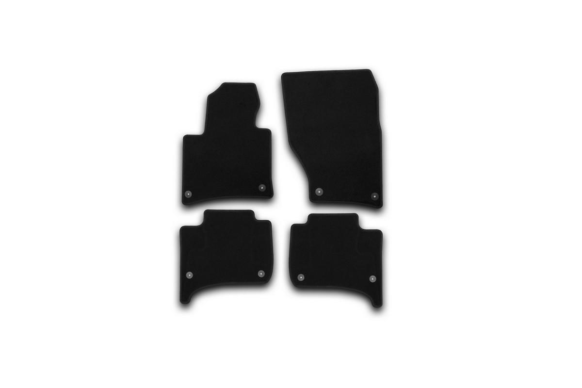 Набор автомобильных ковриков Klever для Volkswagen Touareg 2010-, внедорожник, в салон, 4 шт. KVR01513601200kKVR01513601200kНабор автомобильных ковриков Klever, изготовленный из текстиля, состоит из 4 ковриков, которые учитывают все особенности каждой модели автомобиля и полностью повторяют контуры пола. Текстильные автомобильные коврики для салона произведены из высококачественного материала, который держит форму, прочный и не пачкает обувь. Коврики в салон не только улучшат внешний вид салона вашего автомобиля, но и надежно уберегут его от пыли, грязи и сырости, а значит, защитят кузов от коррозии. Текстильные коврики для автомобиля мягкие и приятные, а их основа из вспененного полиуретана не пропускает влагу. Ковры для автомобилей надежно крепятся на полу и не скользят, что очень важно во время движения. Чистятся коврики очень просто: как при помощи автомобильного пылесоса, так и различными моющими средствами. Набор подходит для Volkswagen Touaregвнедорожник с 2010 года выпуска.