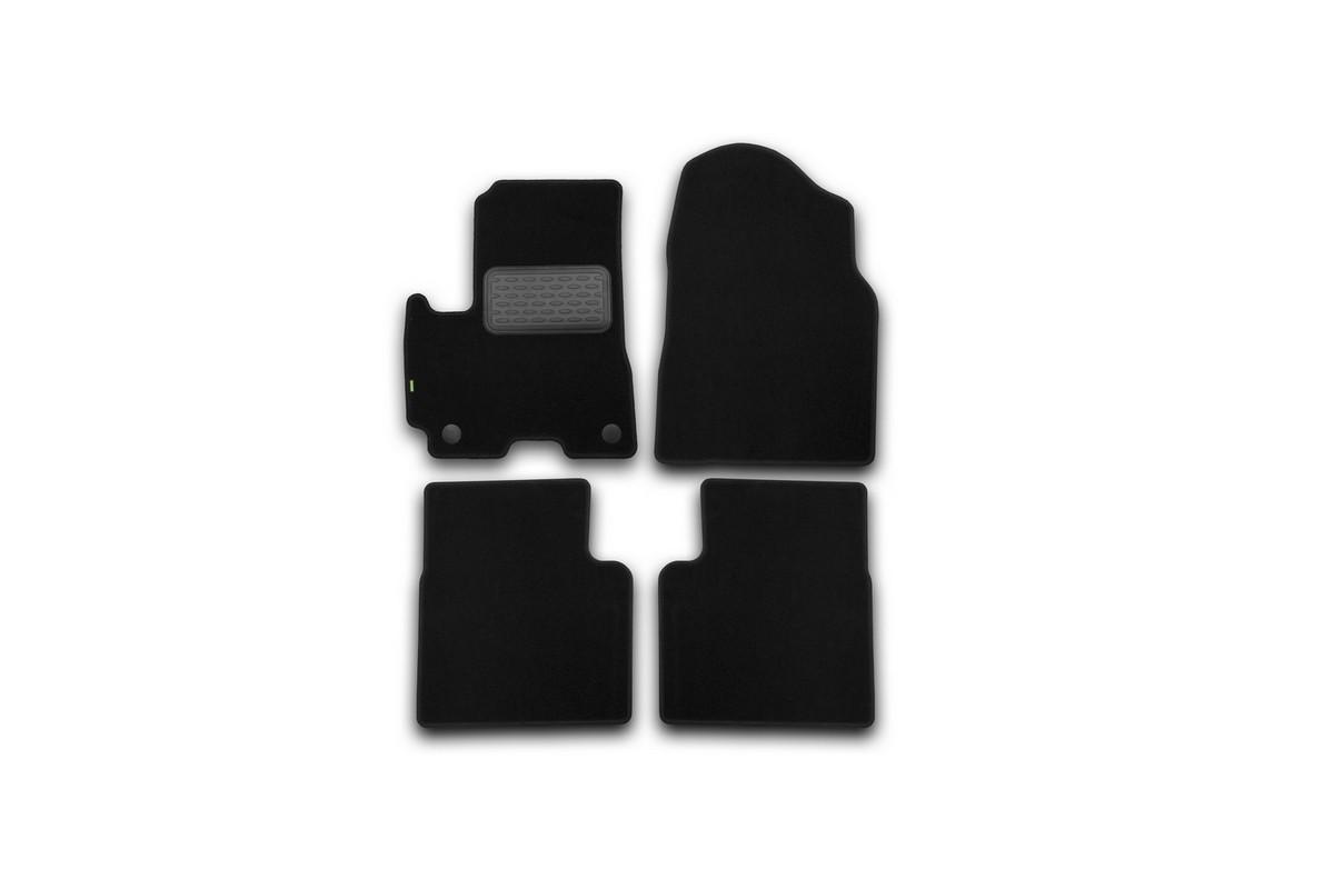 Набор автомобильных ковриков Klever для Lifan X60 2012-, кроссовер, в салон, 4 шт. KVR02730401210khKVR02730401210khНабор автомобильных ковриков Klever, изготовленный из текстиля, состоит из 4 ковриков, которые учитывают все особенности каждой модели автомобиля и полностью повторяют контуры пола. Текстильные автомобильные коврики для салона произведены из высококачественного материала, который держит форму, прочный и не пачкает обувь. Коврики в салон не только улучшат внешний вид салона вашего автомобиля, но и надежно уберегут его от пыли, грязи и сырости, а значит, защитят кузов от коррозии. Текстильные коврики для автомобиля мягкие и приятные, а их основа из вспененного полиуретана не пропускает влагу. Ковры для автомобилей надежно крепятся на полу и не скользят, что очень важно во время движения. Чистятся коврики очень просто: как при помощи автомобильного пылесоса, так и различными моющими средствами. Набор подходит для Lifan X60 кроссовер с 2012 года выпуска.