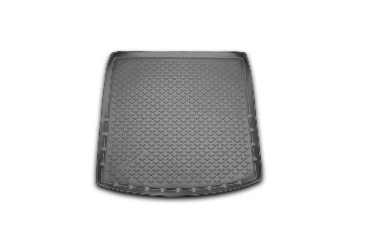Коврик автомобильный Novline-Autofamily для Mitsubishi Outlander кроссовер 2012-2014, 2014-, с органайзером, в багажникBI.001.042Автомобильный коврик Novline-Autofamily, изготовленный из полиуретана, позволит вам без особых усилий содержать в чистоте багажный отсек вашего авто и при этом перевозить в нем абсолютно любые грузы. Этот модельный коврик идеально подойдет по размерам багажнику вашего автомобиля. Такой автомобильный коврик гарантированно защитит багажник от грязи, мусора и пыли, которые постоянно скапливаются в этом отсеке. А кроме того, поддон не пропускает влагу. Все это надолго убережет важную часть кузова от износа. Коврик в багажнике сильно упростит для вас уборку. Согласитесь, гораздо проще достать и почистить один коврик, нежели весь багажный отсек. Тем более, что поддон достаточно просто вынимается и вставляется обратно. Мыть коврик для багажника из полиуретана можно любыми чистящими средствами или просто водой. При этом много времени у вас уборка не отнимет, ведь полиуретан устойчив к загрязнениям.Если вам приходится перевозить в багажнике тяжелые грузы, за сохранность коврика можете не беспокоиться. Он сделан из прочного материала, который не деформируется при механических нагрузках и устойчив даже к экстремальным температурам. А кроме того, коврик для багажника надежно фиксируется и не сдвигается во время поездки, что является дополнительной гарантией сохранности вашего багажа.Коврик имеет форму и размеры, соответствующие модели данного автомобиля.
