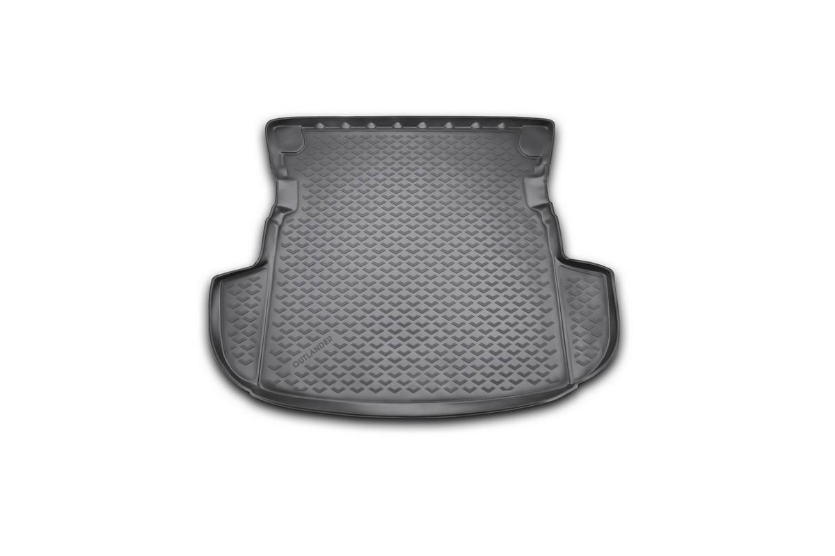 Коврик в багажник автомобиля Novline-Autofamily для Mitsubishi Outlander, 2012 - 2014, 2014 -, без органайзераBI.001.044Автомобильный коврик в багажник позволит вам без особых усилий содержать в чистоте багажный отсек вашего авто и при этом перевозить в нем абсолютно любые грузы. Такой автомобильный коврик гарантированно защитит багажник вашего автомобиля от грязи, мусора и пыли, которые постоянно скапливаются в этом отсеке. А кроме того, поддон не пропускает влагу. Все это надолго убережет важную часть кузова от износа. Мыть коврик для багажника из полиуретана можно любыми чистящими средствами или просто водой. При этом много времени уборка не отнимет, ведь полиуретан устойчив к загрязнениям.Если вам приходится перевозить в багажнике тяжелые грузы, за сохранность автоковрика можете не беспокоиться. Он сделан из прочного материала, который не деформируется при механических нагрузках и устойчив даже к экстремальным температурам. А кроме того, коврик для багажника надежно фиксируется и не сдвигается во время поездки - это дополнительная гарантия сохранности вашего багажа.