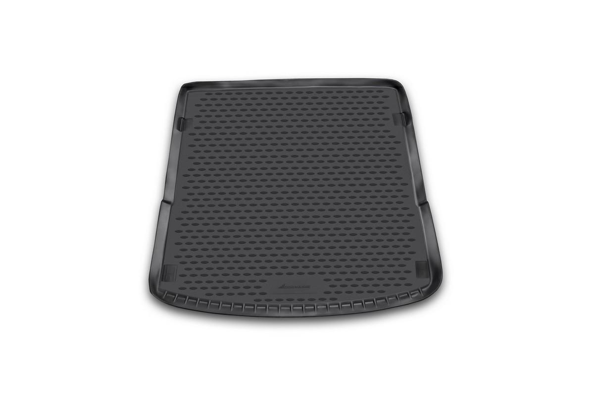 Коврик автомобильный Novline-Autofamily для Audi Q7 кроссовер 2006-, в багажникNLC.04.16.B12Автомобильный коврик Novline-Autofamily, изготовленный из полиуретана, позволит вам без особых усилий содержать в чистоте багажный отсек вашего авто и при этом перевозить в нем абсолютно любые грузы. Этот модельный коврик идеально подойдет по размерам багажнику вашего автомобиля. Такой автомобильный коврик гарантированно защитит багажник от грязи, мусора и пыли, которые постоянно скапливаются в этом отсеке. А кроме того, поддон не пропускает влагу. Все это надолго убережет важную часть кузова от износа. Коврик в багажнике сильно упростит для вас уборку. Согласитесь, гораздо проще достать и почистить один коврик, нежели весь багажный отсек. Тем более, что поддон достаточно просто вынимается и вставляется обратно. Мыть коврик для багажника из полиуретана можно любыми чистящими средствами или просто водой. При этом много времени у вас уборка не отнимет, ведь полиуретан устойчив к загрязнениям.Если вам приходится перевозить в багажнике тяжелые грузы, за сохранность коврика можете не беспокоиться. Он сделан из прочного материала, который не деформируется при механических нагрузках и устойчив даже к экстремальным температурам. А кроме того, коврик для багажника надежно фиксируется и не сдвигается во время поездки, что является дополнительной гарантией сохранности вашего багажа.Коврик имеет форму и размеры, соответствующие модели данного автомобиля.