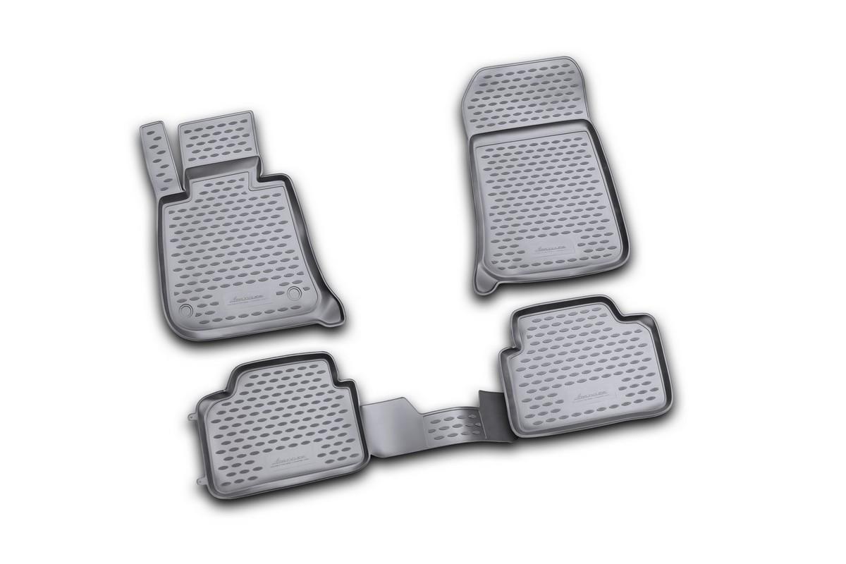 Набор автомобильных ковриков Novline-Autofamily для BMW 3 Touring (E91) 2006-, в салон, цвет: черный, 4 штNLC.05.06.210kНабор автомобильных ковриков Novline-Autofamily, изготовленный из полиуретана, состоит из 4 ковриков, которые учитывают все особенности каждой модели автомобиля и полностью повторяют контуры пола. Полиуретановые автомобильные коврики для салона произведены из высококачественного материала, который держит форму, прочный и не пачкает обувь. Коврики в салон не только улучшат внешний вид салона вашего автомобиля, но и надежно уберегут его от пыли, грязи и сырости, а значит, защитят кузов от коррозии. Полиуретановые коврики для автомобиля гладкие, приятные и не пропускают влагу. Ковры для автомобилей надежно крепятся на полу и не скользят, что очень важно во время движения. Чистятся коврики очень просто: как при помощи автомобильного пылесоса, так и различными моющими средствами. Набор подходит для BMW 3 Touring (E91) с 2006 года выпуска.