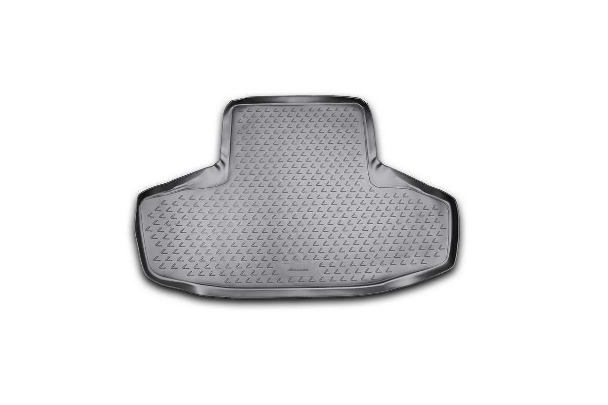 Коврик автомобильный Novline-Autofamily для Lexus GS300 седан 2008-, в багажник. NLC.29.01.B10NLC.29.01.B10Автомобильный коврик Novline-Autofamily, изготовленный из полиуретана, позволит вам без особых усилий содержать в чистоте багажный отсек вашего авто и при этом перевозить в нем абсолютно любые грузы. Этот модельный коврик идеально подойдет по размерам багажнику вашего автомобиля. Такой автомобильный коврик гарантированно защитит багажник от грязи, мусора и пыли, которые постоянно скапливаются в этом отсеке. А кроме того, поддон не пропускает влагу. Все это надолго убережет важную часть кузова от износа. Коврик в багажнике сильно упростит для вас уборку. Согласитесь, гораздо проще достать и почистить один коврик, нежели весь багажный отсек. Тем более, что поддон достаточно просто вынимается и вставляется обратно. Мыть коврик для багажника из полиуретана можно любыми чистящими средствами или просто водой. При этом много времени у вас уборка не отнимет, ведь полиуретан устойчив к загрязнениям.Если вам приходится перевозить в багажнике тяжелые грузы, за сохранность коврика можете не беспокоиться. Он сделан из прочного материала, который не деформируется при механических нагрузках и устойчив даже к экстремальным температурам. А кроме того, коврик для багажника надежно фиксируется и не сдвигается во время поездки, что является дополнительной гарантией сохранности вашего багажа.Коврик имеет форму и размеры, соответствующие модели данного автомобиля.