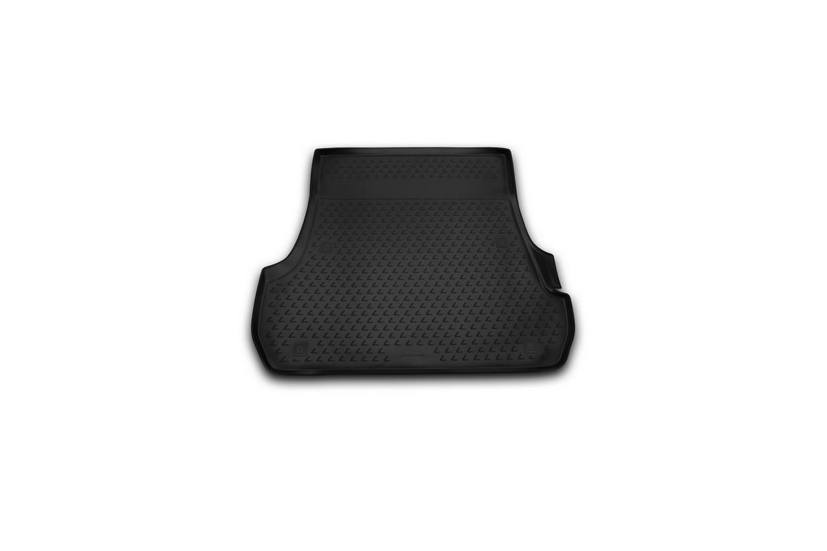 Коврик в багажник LEXUS LX570, 2012-> 5 мест, внед. (полиуретан)NLC.29.20.B13Автомобильный коврик в багажник позволит вам без особых усилий содержать в чистоте багажный отсек вашего авто и при этом перевозить в нем абсолютно любые грузы. Этот модельный коврик идеально подойдет по размерам багажнику вашего авто. Такой автомобильный коврик гарантированно защитит багажник вашего автомобиля от грязи, мусора и пыли, которые постоянно скапливаются в этом отсеке. А кроме того, поддон не пропускает влагу. Все это надолго убережет важную часть кузова от износа. Коврик в багажнике сильно упростит для вас уборку. Согласитесь, гораздо проще достать и почистить один коврик, нежели весь багажный отсек. Тем более, что поддон достаточно просто вынимается и вставляется обратно. Мыть коврик для багажника из полиуретана можно любыми чистящими средствами или просто водой. При этом много времени у вас уборка не отнимет, ведь полиуретан устойчив к загрязнениям.Если вам приходится перевозить в багажнике тяжелые грузы, за сохранность автоковрика можете не беспокоиться. Он сделан из прочного материала, который не деформируется при механических нагрузках и устойчив даже к экстремальным температурам. А кроме того, коврик для багажника надежно фиксируется и не сдвигается во время поездки — это дополнительная гарантия сохранности вашего багажа.