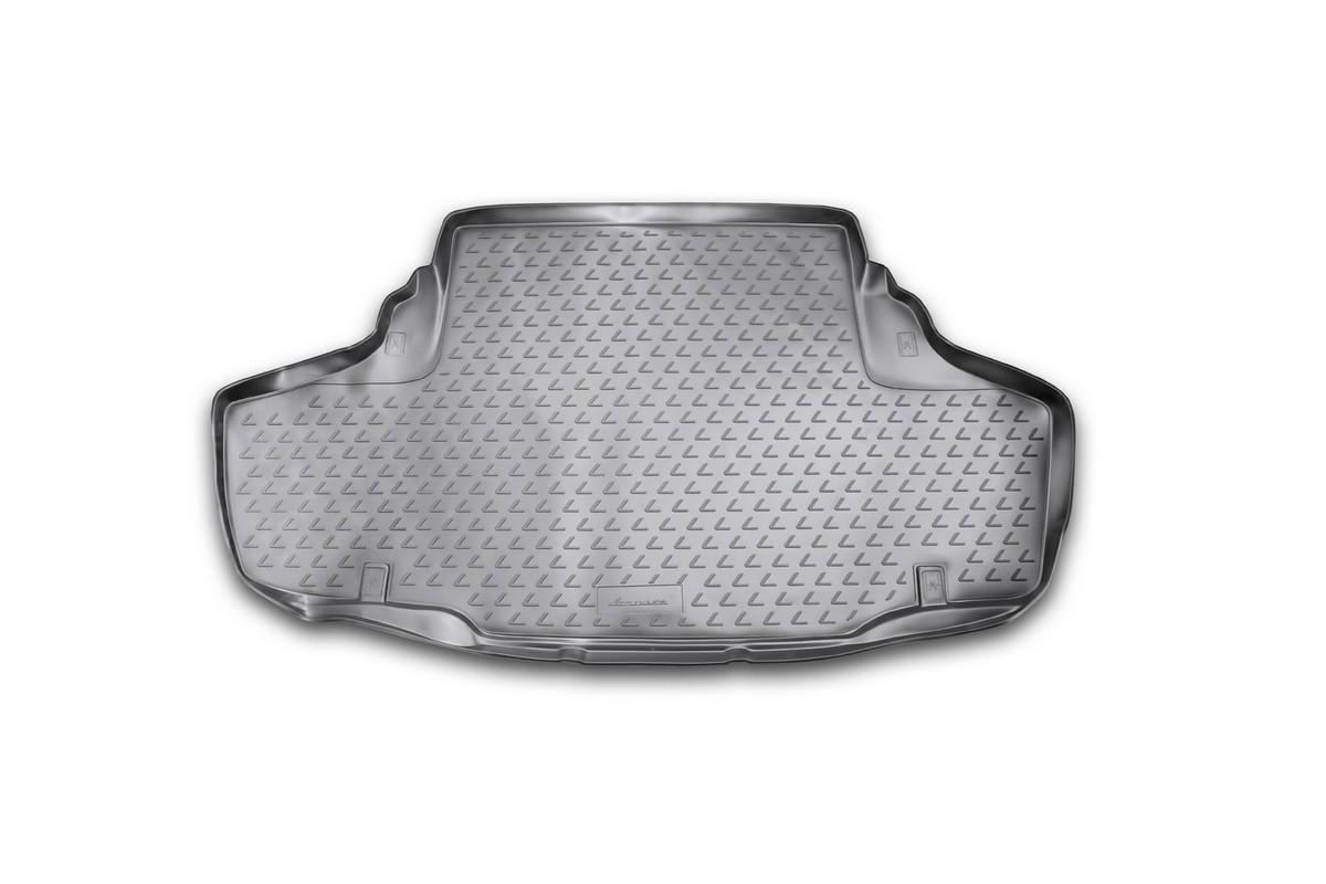 Коврик автомобильный Novline-Autofamily для Lexus GS450H седан 2012-, в багажникNLC.29.25.B10Автомобильный коврик Novline-Autofamily, изготовленный из полиуретана, позволит вам без особых усилий содержать в чистоте багажный отсек вашего авто и при этом перевозить в нем абсолютно любые грузы. Этот модельный коврик идеально подойдет по размерам багажнику вашего автомобиля. Такой автомобильный коврик гарантированно защитит багажник от грязи, мусора и пыли, которые постоянно скапливаются в этом отсеке. А кроме того, поддон не пропускает влагу. Все это надолго убережет важную часть кузова от износа. Коврик в багажнике сильно упростит для вас уборку. Согласитесь, гораздо проще достать и почистить один коврик, нежели весь багажный отсек. Тем более, что поддон достаточно просто вынимается и вставляется обратно. Мыть коврик для багажника из полиуретана можно любыми чистящими средствами или просто водой. При этом много времени у вас уборка не отнимет, ведь полиуретан устойчив к загрязнениям.Если вам приходится перевозить в багажнике тяжелые грузы, за сохранность коврика можете не беспокоиться. Он сделан из прочного материала, который не деформируется при механических нагрузках и устойчив даже к экстремальным температурам. А кроме того, коврик для багажника надежно фиксируется и не сдвигается во время поездки, что является дополнительной гарантией сохранности вашего багажа.Коврик имеет форму и размеры, соответствующие модели данного автомобиля.