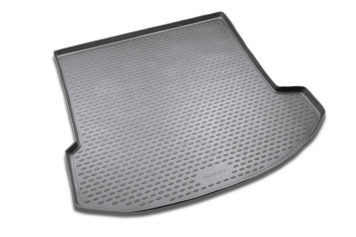 Коврик автомобильный Novline-Autofamily для Mazda CX-9 кроссовер 2007-2012, 2012-, в багажник. NLC.33.16.G13NLC.33.16.G13Автомобильный коврик Novline-Autofamily, изготовленный из полиуретана, позволит вам без особых усилий содержать в чистоте багажный отсек вашего авто и при этом перевозить в нем абсолютно любые грузы. Этот модельный коврик идеально подойдет по размерам багажнику вашего автомобиля. Такой автомобильный коврик гарантированно защитит багажник от грязи, мусора и пыли, которые постоянно скапливаются в этом отсеке. А кроме того, поддон не пропускает влагу. Все это надолго убережет важную часть кузова от износа. Коврик в багажнике сильно упростит для вас уборку. Согласитесь, гораздо проще достать и почистить один коврик, нежели весь багажный отсек. Тем более, что поддон достаточно просто вынимается и вставляется обратно. Мыть коврик для багажника из полиуретана можно любыми чистящими средствами или просто водой. При этом много времени у вас уборка не отнимет, ведь полиуретан устойчив к загрязнениям.Если вам приходится перевозить в багажнике тяжелые грузы, за сохранность коврика можете не беспокоиться. Он сделан из прочного материала, который не деформируется при механических нагрузках и устойчив даже к экстремальным температурам. А кроме того, коврик для багажника надежно фиксируется и не сдвигается во время поездки, что является дополнительной гарантией сохранности вашего багажа.Коврик имеет форму и размеры, соответствующие модели данного автомобиля.