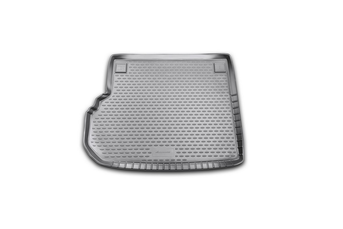 Коврик автомобильный Novline-Autofamily для Mercedes-Benz GLK-Klasse X204 кроссовер 2008-, в багажникNLC.34.22.B13Автомобильный коврик Novline-Autofamily, изготовленный из полиуретана, позволит вам без особых усилий содержать в чистоте багажный отсек вашего авто и при этом перевозить в нем абсолютно любые грузы. Этот модельный коврик идеально подойдет по размерам багажнику вашего автомобиля. Такой автомобильный коврик гарантированно защитит багажник от грязи, мусора и пыли, которые постоянно скапливаются в этом отсеке. А кроме того, поддон не пропускает влагу. Все это надолго убережет важную часть кузова от износа. Коврик в багажнике сильно упростит для вас уборку. Согласитесь, гораздо проще достать и почистить один коврик, нежели весь багажный отсек. Тем более, что поддон достаточно просто вынимается и вставляется обратно. Мыть коврик для багажника из полиуретана можно любыми чистящими средствами или просто водой. При этом много времени у вас уборка не отнимет, ведь полиуретан устойчив к загрязнениям.Если вам приходится перевозить в багажнике тяжелые грузы, за сохранность коврика можете не беспокоиться. Он сделан из прочного материала, который не деформируется при механических нагрузках и устойчив даже к экстремальным температурам. А кроме того, коврик для багажника надежно фиксируется и не сдвигается во время поездки, что является дополнительной гарантией сохранности вашего багажа.Коврик имеет форму и размеры, соответствующие модели данного автомобиля.