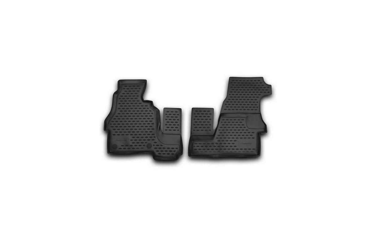 Набор автомобильных ковриков Novline-Autofamily для Mercedes-Benz Sprinter Classic 2013-, в салон, 2 штNLC.34.31.210kНабор автомобильных ковриков Novline-Autofamily, изготовленный из полиуретана, состоит из 2 ковриков, которые учитывают все особенности каждой модели автомобиля и полностью повторяют контуры пола. Полиуретановые автомобильные коврики для салона произведены из высококачественного материала, который держит форму, прочный и не пачкает обувь. Коврики в салон не только улучшат внешний вид салона вашего автомобиля, но и надежно уберегут его от пыли, грязи и сырости, а значит, защитят кузов от коррозии. Полиуретановые коврики для автомобиля гладкие, приятные и не пропускают влагу. Ковры для автомобилей надежно крепятся на полу и не скользят, что очень важно во время движения. Чистятся коврики очень просто: как при помощи автомобильного пылесоса, так и различными моющими средствами. Набор подходит для Mercedes-Benz Sprinter Classic с 2013 года выпуска.