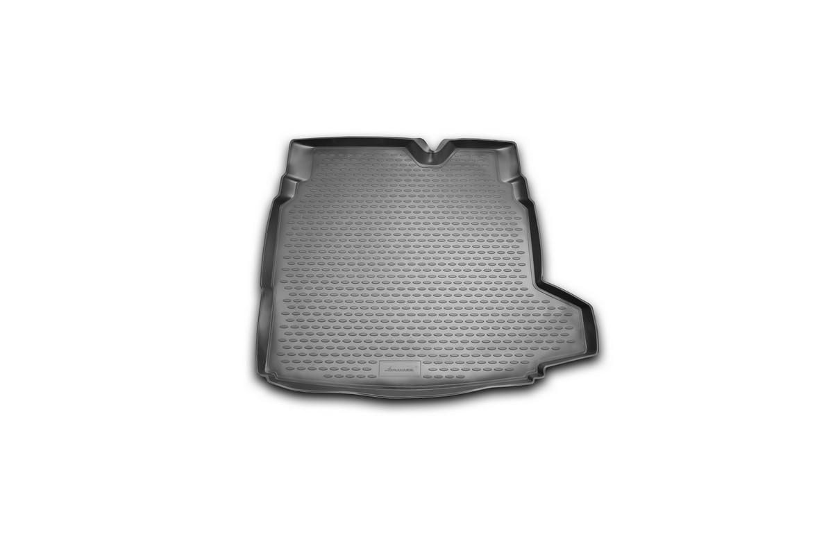 Коврик автомобильный Novline-Autofamily для Saab 9-3 седан 2003-, в багажникNLC.43.01.B10Автомобильный коврик Novline-Autofamily, изготовленный из полиуретана, позволит вам без особых усилий содержать в чистоте багажный отсек вашего авто и при этом перевозить в нем абсолютно любые грузы. Этот модельный коврик идеально подойдет по размерам багажнику вашего автомобиля. Такой автомобильный коврик гарантированно защитит багажник от грязи, мусора и пыли, которые постоянно скапливаются в этом отсеке. А кроме того, поддон не пропускает влагу. Все это надолго убережет важную часть кузова от износа. Коврик в багажнике сильно упростит для вас уборку. Согласитесь, гораздо проще достать и почистить один коврик, нежели весь багажный отсек. Тем более, что поддон достаточно просто вынимается и вставляется обратно. Мыть коврик для багажника из полиуретана можно любыми чистящими средствами или просто водой. При этом много времени у вас уборка не отнимет, ведь полиуретан устойчив к загрязнениям.Если вам приходится перевозить в багажнике тяжелые грузы, за сохранность коврика можете не беспокоиться. Он сделан из прочного материала, который не деформируется при механических нагрузках и устойчив даже к экстремальным температурам. А кроме того, коврик для багажника надежно фиксируется и не сдвигается во время поездки, что является дополнительной гарантией сохранности вашего багажа.Коврик имеет форму и размеры, соответствующие модели данного автомобиля.