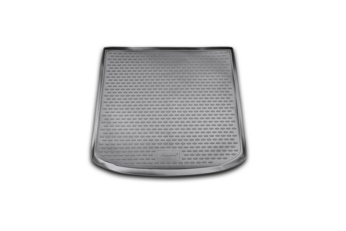 Коврик автомобильный Novline-Autofamily для Seat Altea Freetrack универсал 2008, 2007-, в багажникNLC.44.06.B12Автомобильный коврик Novline-Autofamily, изготовленный из полиуретана, позволит вам без особых усилий содержать в чистоте багажный отсек вашего авто и при этом перевозить в нем абсолютно любые грузы. Этот модельный коврик идеально подойдет по размерам багажнику вашего автомобиля. Такой автомобильный коврик гарантированно защитит багажник от грязи, мусора и пыли, которые постоянно скапливаются в этом отсеке. А кроме того, поддон не пропускает влагу. Все это надолго убережет важную часть кузова от износа. Коврик в багажнике сильно упростит для вас уборку. Согласитесь, гораздо проще достать и почистить один коврик, нежели весь багажный отсек. Тем более, что поддон достаточно просто вынимается и вставляется обратно. Мыть коврик для багажника из полиуретана можно любыми чистящими средствами или просто водой. При этом много времени у вас уборка не отнимет, ведь полиуретан устойчив к загрязнениям.Если вам приходится перевозить в багажнике тяжелые грузы, за сохранность коврика можете не беспокоиться. Он сделан из прочного материала, который не деформируется при механических нагрузках и устойчив даже к экстремальным температурам. А кроме того, коврик для багажника надежно фиксируется и не сдвигается во время поездки, что является дополнительной гарантией сохранности вашего багажа.Коврик имеет форму и размеры, соответствующие модели данного автомобиля.