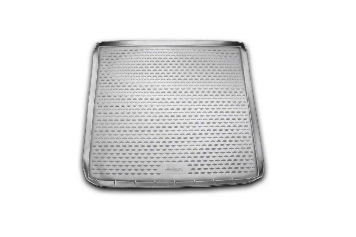 Коврик автомобильный Novline-Autofamily для Subaru Tribeca DM кроссовер 2011-, в багажникNLC.46.10.G13Автомобильный коврик Novline-Autofamily, изготовленный из полиуретана, позволит вам без особых усилий содержать в чистоте багажный отсек вашего авто и при этом перевозить в нем абсолютно любые грузы. Этот модельный коврик идеально подойдет по размерам багажнику вашего автомобиля. Такой автомобильный коврик гарантированно защитит багажник от грязи, мусора и пыли, которые постоянно скапливаются в этом отсеке. А кроме того, поддон не пропускает влагу. Все это надолго убережет важную часть кузова от износа. Коврик в багажнике сильно упростит для вас уборку. Согласитесь, гораздо проще достать и почистить один коврик, нежели весь багажный отсек. Тем более, что поддон достаточно просто вынимается и вставляется обратно. Мыть коврик для багажника из полиуретана можно любыми чистящими средствами или просто водой. При этом много времени у вас уборка не отнимет, ведь полиуретан устойчив к загрязнениям.Если вам приходится перевозить в багажнике тяжелые грузы, за сохранность коврика можете не беспокоиться. Он сделан из прочного материала, который не деформируется при механических нагрузках и устойчив даже к экстремальным температурам. А кроме того, коврик для багажника надежно фиксируется и не сдвигается во время поездки, что является дополнительной гарантией сохранности вашего багажа.Коврик имеет форму и размеры, соответствующие модели данного автомобиля.