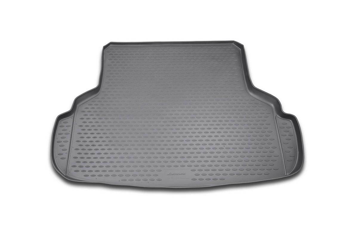 Коврик автомобильный Novline-Autofamily для Suzuki SX4 седан 03/2007-, в багажникNLC.47.16.B10Автомобильный коврик Novline-Autofamily, изготовленный из полиуретана, позволит вам без особых усилий содержать в чистоте багажный отсек вашего авто и при этом перевозить в нем абсолютно любые грузы. Этот модельный коврик идеально подойдет по размерам багажнику вашего автомобиля. Такой автомобильный коврик гарантированно защитит багажник от грязи, мусора и пыли, которые постоянно скапливаются в этом отсеке. А кроме того, поддон не пропускает влагу. Все это надолго убережет важную часть кузова от износа. Коврик в багажнике сильно упростит для вас уборку. Согласитесь, гораздо проще достать и почистить один коврик, нежели весь багажный отсек. Тем более, что поддон достаточно просто вынимается и вставляется обратно. Мыть коврик для багажника из полиуретана можно любыми чистящими средствами или просто водой. При этом много времени у вас уборка не отнимет, ведь полиуретан устойчив к загрязнениям.Если вам приходится перевозить в багажнике тяжелые грузы, за сохранность коврика можете не беспокоиться. Он сделан из прочного материала, который не деформируется при механических нагрузках и устойчив даже к экстремальным температурам. А кроме того, коврик для багажника надежно фиксируется и не сдвигается во время поездки, что является дополнительной гарантией сохранности вашего багажа.Коврик имеет форму и размеры, соответствующие модели данного автомобиля.