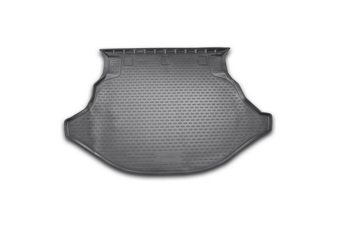 Коврик автомобильный Novline-Autofamily для Toyota Venza кроссовер 2013-, в багажникNLC.48.67.B13Автомобильный коврик Novline-Autofamily, изготовленный из полиуретана, позволит вам без особых усилий содержать в чистоте багажный отсек вашего авто и при этом перевозить в нем абсолютно любые грузы. Этот модельный коврик идеально подойдет по размерам багажнику вашего автомобиля. Такой автомобильный коврик гарантированно защитит багажник от грязи, мусора и пыли, которые постоянно скапливаются в этом отсеке. А кроме того, поддон не пропускает влагу. Все это надолго убережет важную часть кузова от износа. Коврик в багажнике сильно упростит для вас уборку. Согласитесь, гораздо проще достать и почистить один коврик, нежели весь багажный отсек. Тем более, что поддон достаточно просто вынимается и вставляется обратно. Мыть коврик для багажника из полиуретана можно любыми чистящими средствами или просто водой. При этом много времени у вас уборка не отнимет, ведь полиуретан устойчив к загрязнениям.Если вам приходится перевозить в багажнике тяжелые грузы, за сохранность коврика можете не беспокоиться. Он сделан из прочного материала, который не деформируется при механических нагрузках и устойчив даже к экстремальным температурам. А кроме того, коврик для багажника надежно фиксируется и не сдвигается во время поездки, что является дополнительной гарантией сохранности вашего багажа.Коврик имеет форму и размеры, соответствующие модели данного автомобиля.