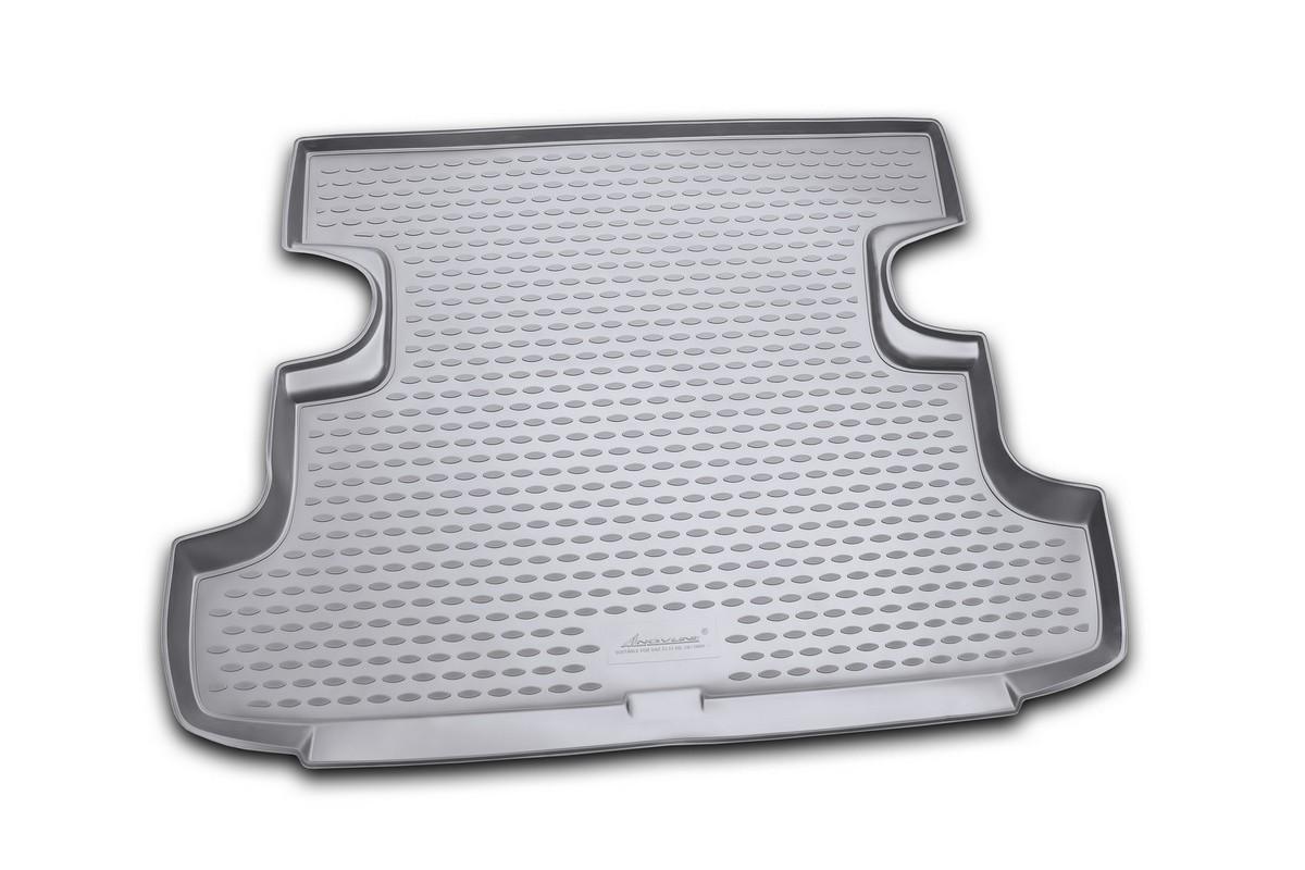 Коврик автомобильный Novline-Autofamily для ВАЗ 2131 Lada 4x4 5D кроссовер 2009-, в багажник. NLC.52.24.B13NLC.52.24.B13Автомобильный коврик Novline-Autofamily, изготовленный из полиуретана, позволит вам без особых усилий содержать в чистоте багажный отсек вашего авто и при этом перевозить в нем абсолютно любые грузы. Этот модельный коврик идеально подойдет по размерам багажнику вашего автомобиля. Такой автомобильный коврик гарантированно защитит багажник от грязи, мусора и пыли, которые постоянно скапливаются в этом отсеке. А кроме того, поддон не пропускает влагу. Все это надолго убережет важную часть кузова от износа. Коврик в багажнике сильно упростит для вас уборку. Согласитесь, гораздо проще достать и почистить один коврик, нежели весь багажный отсек. Тем более, что поддон достаточно просто вынимается и вставляется обратно. Мыть коврик для багажника из полиуретана можно любыми чистящими средствами или просто водой. При этом много времени у вас уборка не отнимет, ведь полиуретан устойчив к загрязнениям.Если вам приходится перевозить в багажнике тяжелые грузы, за сохранность коврика можете не беспокоиться. Он сделан из прочного материала, который не деформируется при механических нагрузках и устойчив даже к экстремальным температурам. А кроме того, коврик для багажника надежно фиксируется и не сдвигается во время поездки, что является дополнительной гарантией сохранности вашего багажа.Коврик имеет форму и размеры, соответствующие модели данного автомобиля.