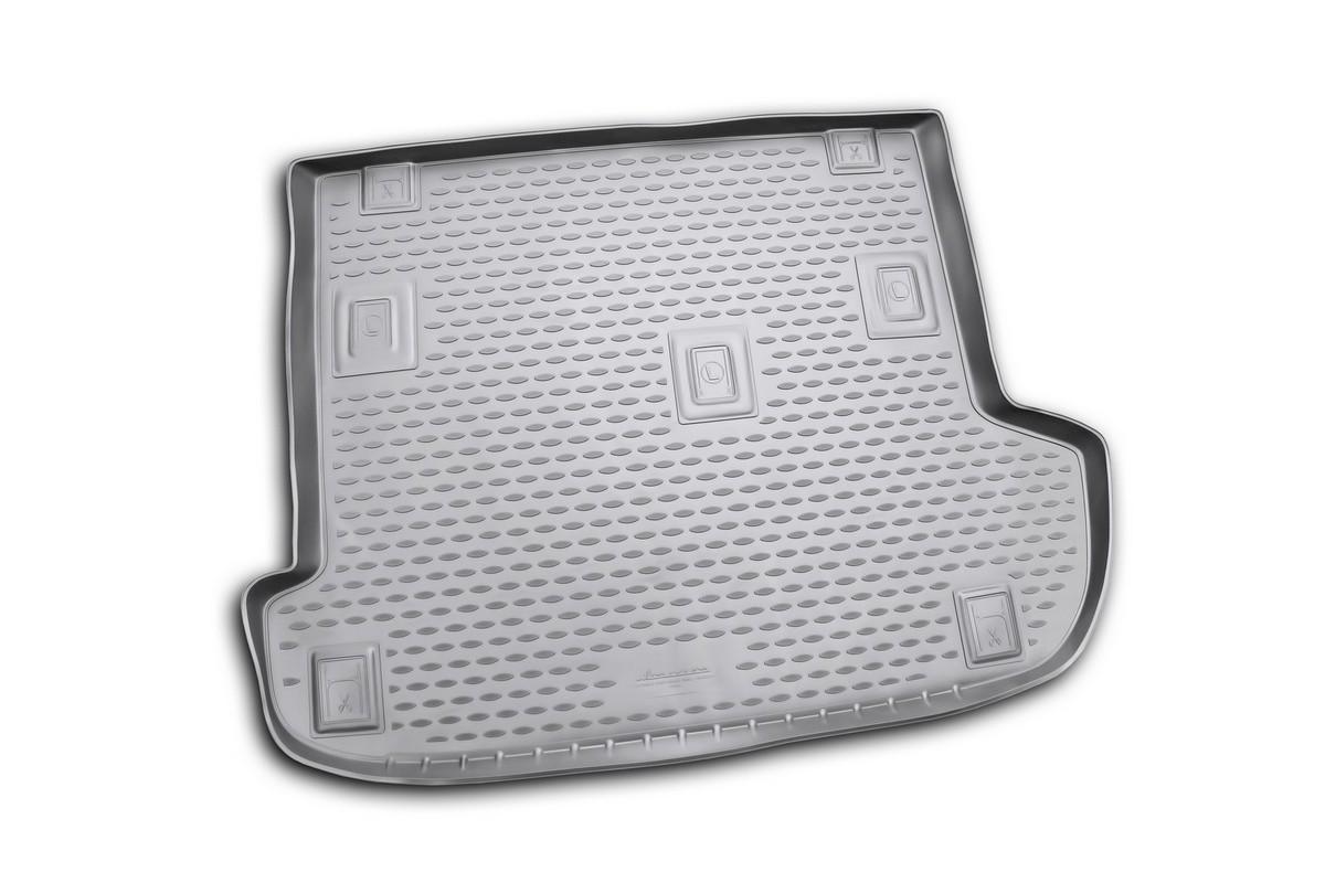 Коврик автомобильный Novline-Autofamily для Great Wall H5 кроссовер 2010-, в багажникNLC.59.10.B13Автомобильный коврик Novline-Autofamily, изготовленный из полиуретана, позволит вам без особых усилий содержать в чистоте багажный отсек вашего авто и при этом перевозить в нем абсолютно любые грузы. Этот модельный коврик идеально подойдет по размерам багажнику вашего автомобиля. Такой автомобильный коврик гарантированно защитит багажник от грязи, мусора и пыли, которые постоянно скапливаются в этом отсеке. А кроме того, поддон не пропускает влагу. Все это надолго убережет важную часть кузова от износа. Коврик в багажнике сильно упростит для вас уборку. Согласитесь, гораздо проще достать и почистить один коврик, нежели весь багажный отсек. Тем более, что поддон достаточно просто вынимается и вставляется обратно. Мыть коврик для багажника из полиуретана можно любыми чистящими средствами или просто водой. При этом много времени у вас уборка не отнимет, ведь полиуретан устойчив к загрязнениям.Если вам приходится перевозить в багажнике тяжелые грузы, за сохранность коврика можете не беспокоиться. Он сделан из прочного материала, который не деформируется при механических нагрузках и устойчив даже к экстремальным температурам. А кроме того, коврик для багажника надежно фиксируется и не сдвигается во время поездки, что является дополнительной гарантией сохранности вашего багажа.Коврик имеет форму и размеры, соответствующие модели данного автомобиля.