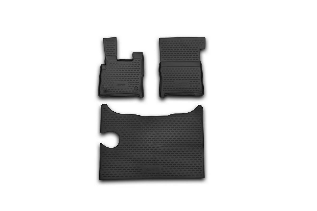 Набор автомобильных ковриков Novline-Autofamily для DAF XF 2014-, в салон, 3 штNLC.88.01.210kНабор автомобильных ковриков Novline-Autofamily, изготовленный из полиуретана, состоит из 3 ковриков, которые учитывают все особенности каждой модели автомобиля и полностью повторяют контуры пола. Полиуретановые автомобильные коврики для салона произведены из высококачественного материала, который держит форму, прочный и не пачкает обувь. Коврики в салон не только улучшат внешний вид салона вашего автомобиля, но и надежно уберегут его от пыли, грязи и сырости, а значит, защитят кузов от коррозии. Полиуретановые коврики для автомобиля гладкие, приятные и не пропускают влагу. Ковры для автомобилей надежно крепятся на полу и не скользят, что очень важно во время движения. Чистятся коврики очень просто: как при помощи автомобильного пылесоса, так и различными моющими средствами. Набор подходит для DAF XF c 2014 года выпуска.