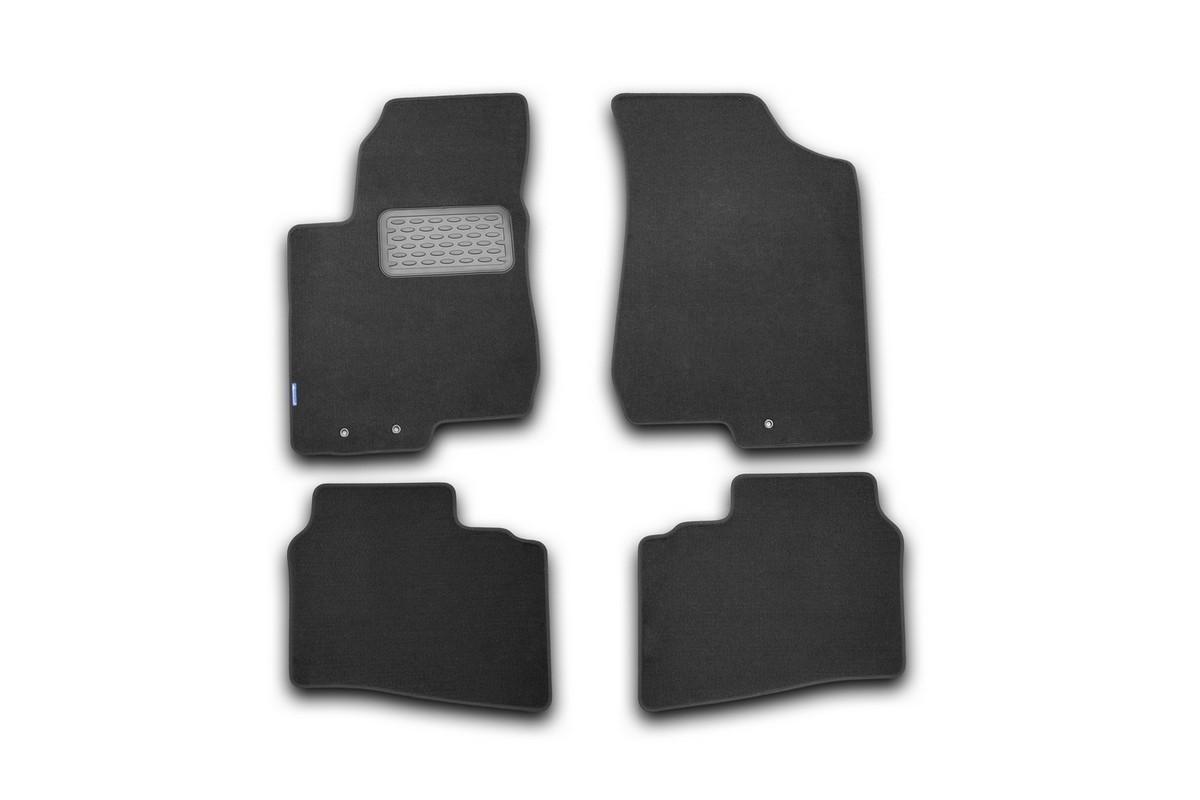 Набор автомобильных ковриков Novline-Autofamily для Hyundai Elantra 2006-, седан, в салон, 4 штNLT.20.21.11.110khНабор автомобильных ковриков Novline-Autofamily, изготовленный из текстиля, состоит из 4 ковриков, которые учитывают все особенности каждой модели автомобиля и полностью повторяют контуры пола. Текстильные автомобильные коврики для салона произведены из высококачественного материала, который держит форму, прочный и не пачкает обувь. Коврики в салон не только улучшат внешний вид салона вашего автомобиля, но и надежно уберегут его от пыли, грязи и сырости, а значит, защитят кузов от коррозии. Текстильные коврики для автомобиля мягкие и приятные, а их основа из вспененного полиуретана не пропускает влагу. Ковры для автомобилей надежно крепятся на полу и не скользят, что очень важно во время движения. Чистятся коврики очень просто: как при помощи автомобильного пылесоса, так и различными моющими средствами. Набор подходит для Hyundai Elantra седан с 2006 года выпуска.