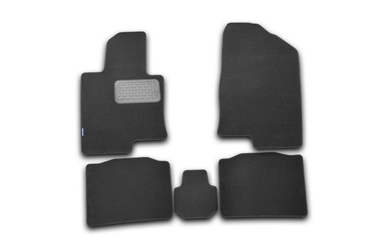 Набор автомобильных ковриков Novline-Autofamily для Hyundai Sonata YF 2010-, седан, в салон, 5 штNLT.20.40.11.110khНабор автомобильных ковриков Novline-Autofamily, изготовленный из текстиля, состоит из 5 ковриков, которые учитывают все особенности каждой модели автомобиля и полностью повторяют контуры пола. Текстильные автомобильные коврики для салона произведены из высококачественного материала, который держит форму, прочный и не пачкает обувь. Коврики в салон не только улучшат внешний вид салона вашего автомобиля, но и надежно уберегут его от пыли, грязи и сырости, а значит, защитят кузов от коррозии. Текстильные коврики для автомобиля мягкие и приятные, а их основа из вспененного полиуретана не пропускает влагу. Ковры для автомобилей надежно крепятся на полу и не скользят, что очень важно во время движения. Чистятся коврики очень просто: как при помощи автомобильного пылесоса, так и различными моющими средствами. Набор подходит для Hyundai Sonata YF седан с 2010 года выпуска.