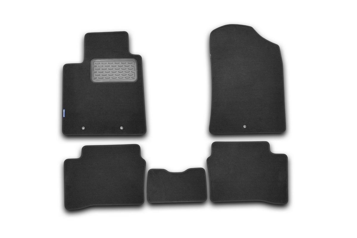 Набор автомобильных ковриков Novline-Autofamily для Kia Picanto 2011-, хэтчбек, в салон, 5 шт. NLT.25.36.11.110khNLT.25.36.11.110khНабор автомобильных ковриков Novline-Autofamily, изготовленный из текстиля, состоит из 5 ковриков, которые учитывают все особенности каждой модели автомобиля и полностью повторяют контуры пола. Текстильные автомобильные коврики для салона произведены из высококачественного материала, который держит форму, прочный и не пачкает обувь. Коврики в салон не только улучшат внешний вид салона вашего автомобиля, но и надежно уберегут его от пыли, грязи и сырости, а значит, защитят кузов от коррозии. Текстильные коврики для автомобиля мягкие и приятные, а их основа из вспененного полиуретана не пропускает влагу. Ковры для автомобилей надежно крепятся на полу и не скользят, что очень важно во время движения. Чистятся коврики очень просто: как при помощи автомобильного пылесоса, так и различными моющими средствами. Набор подходит для Kia Picanto хэтчбек с 2011 года выпуска.